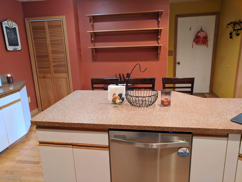 8175 Hunter Rd - Kitchen - 14