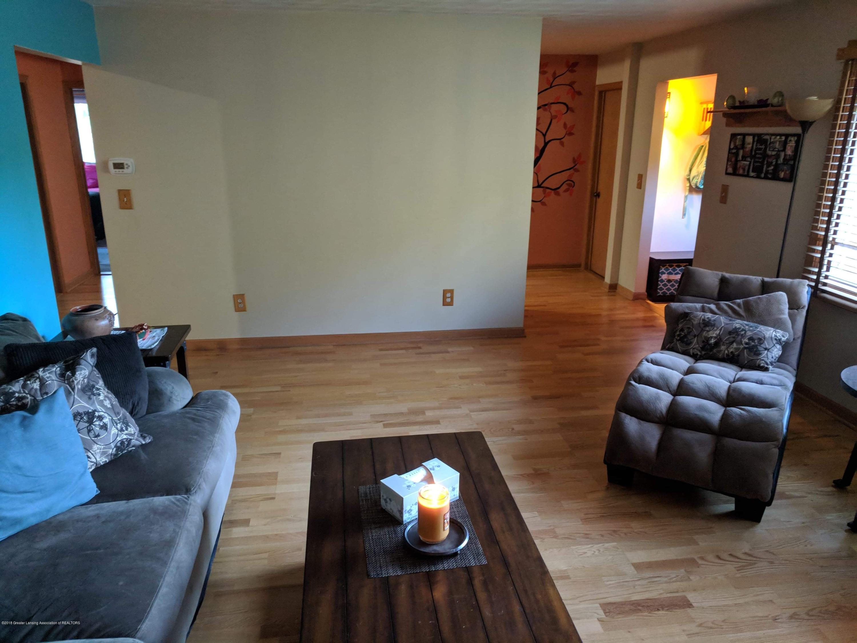 8175 Hunter Rd - Living Room - 10