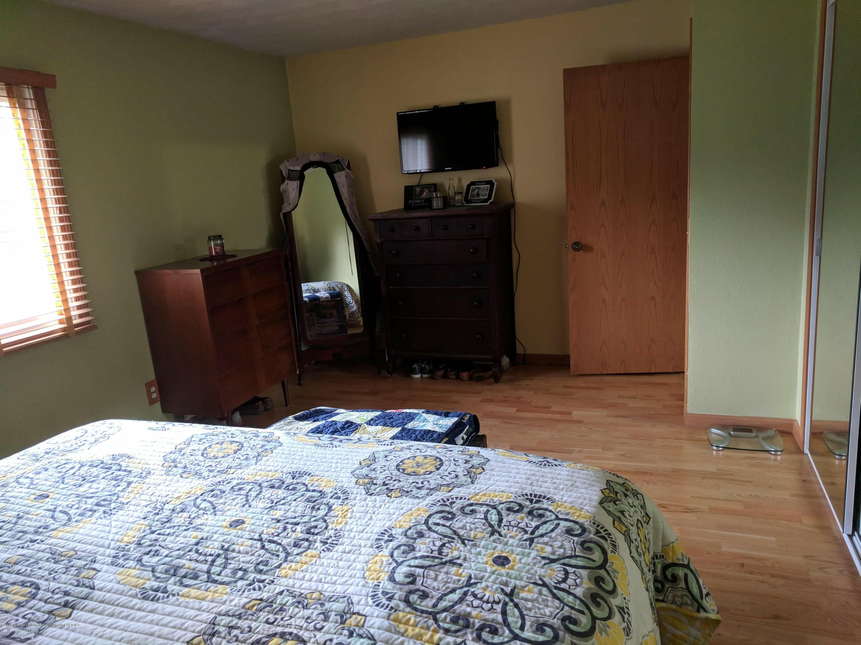 8175 Hunter Rd - Master Bedroom - 26