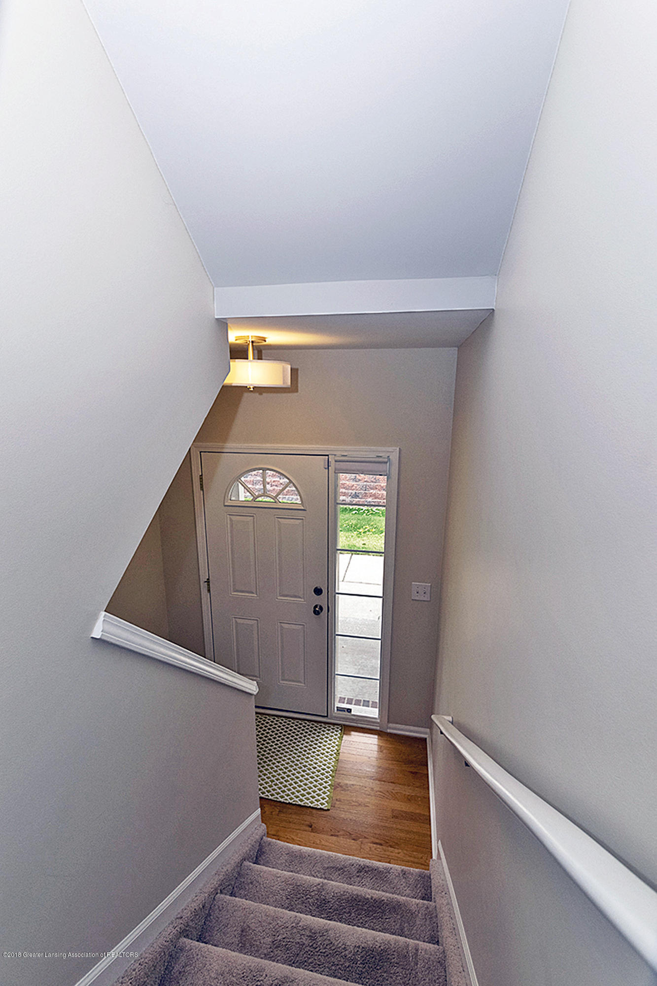 1411 Academy Ln - 1411 Academy Entryway Stairs - 12