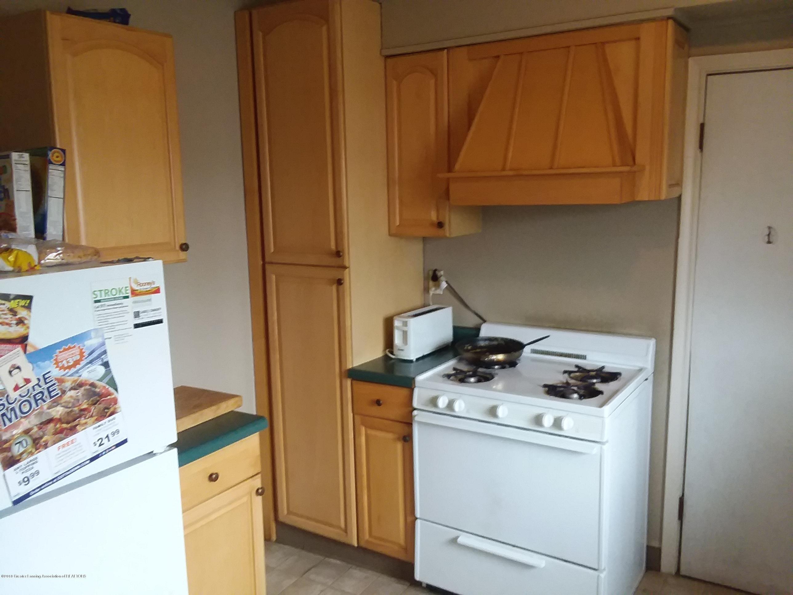 319 W Shiawassee St - kitchen 2 - 6
