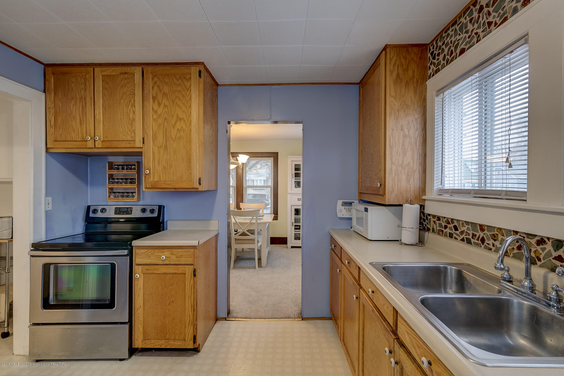 942 Cleo St - Kitchen - 8
