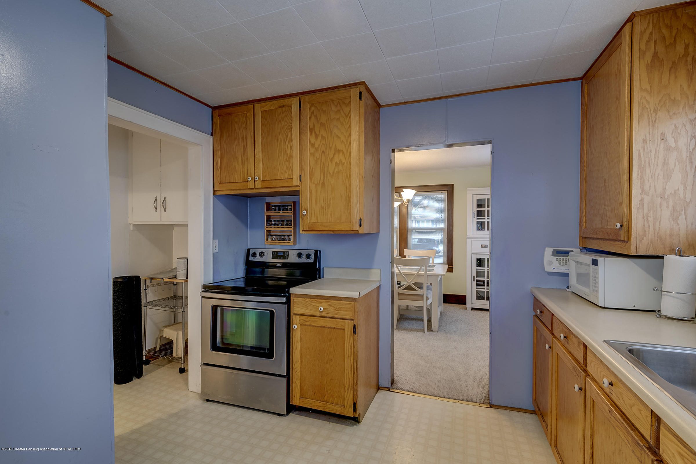 942 Cleo St - Kitchen - 10