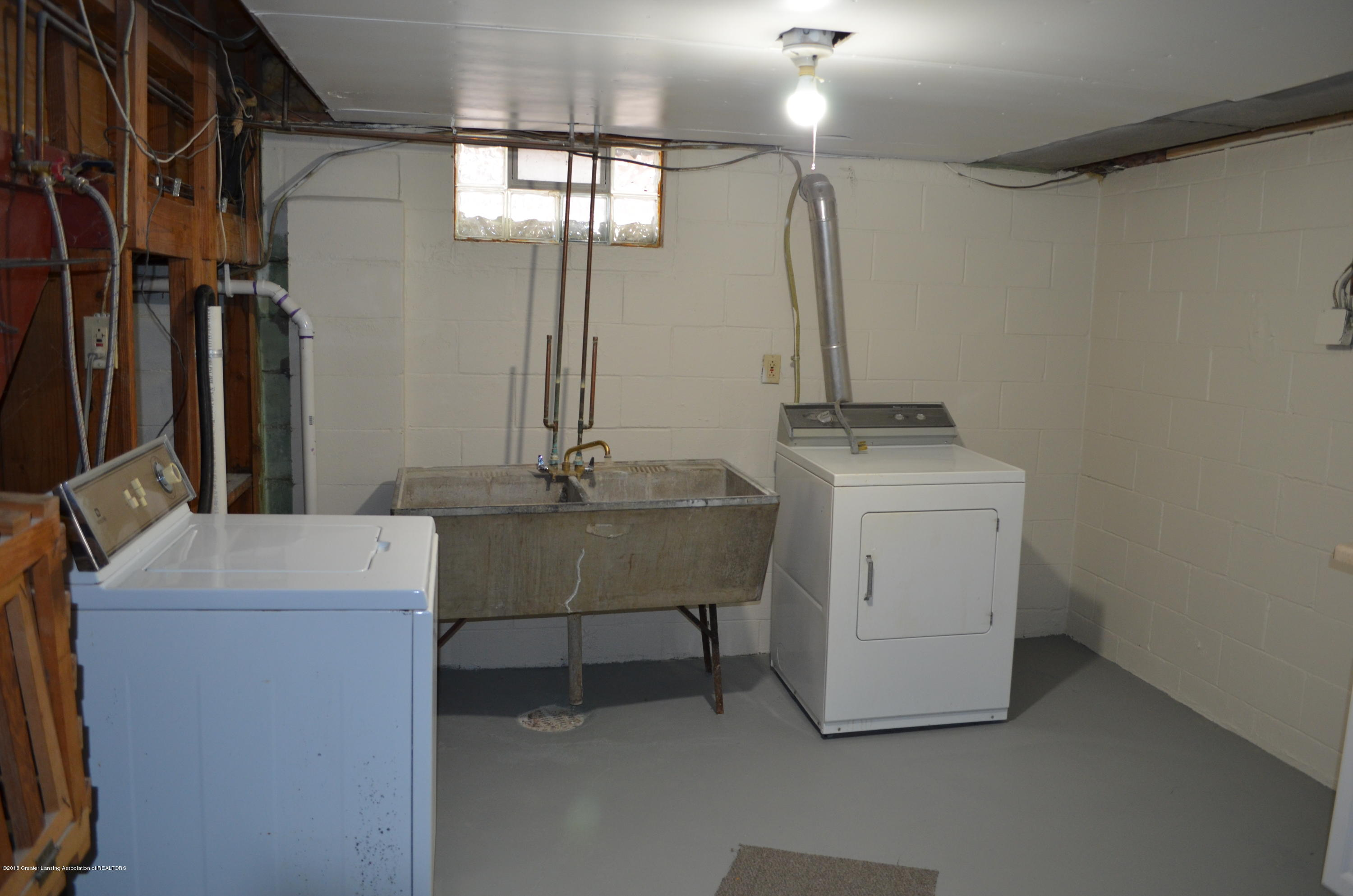 1323 Poxson Ave - Washer Dryer - 28