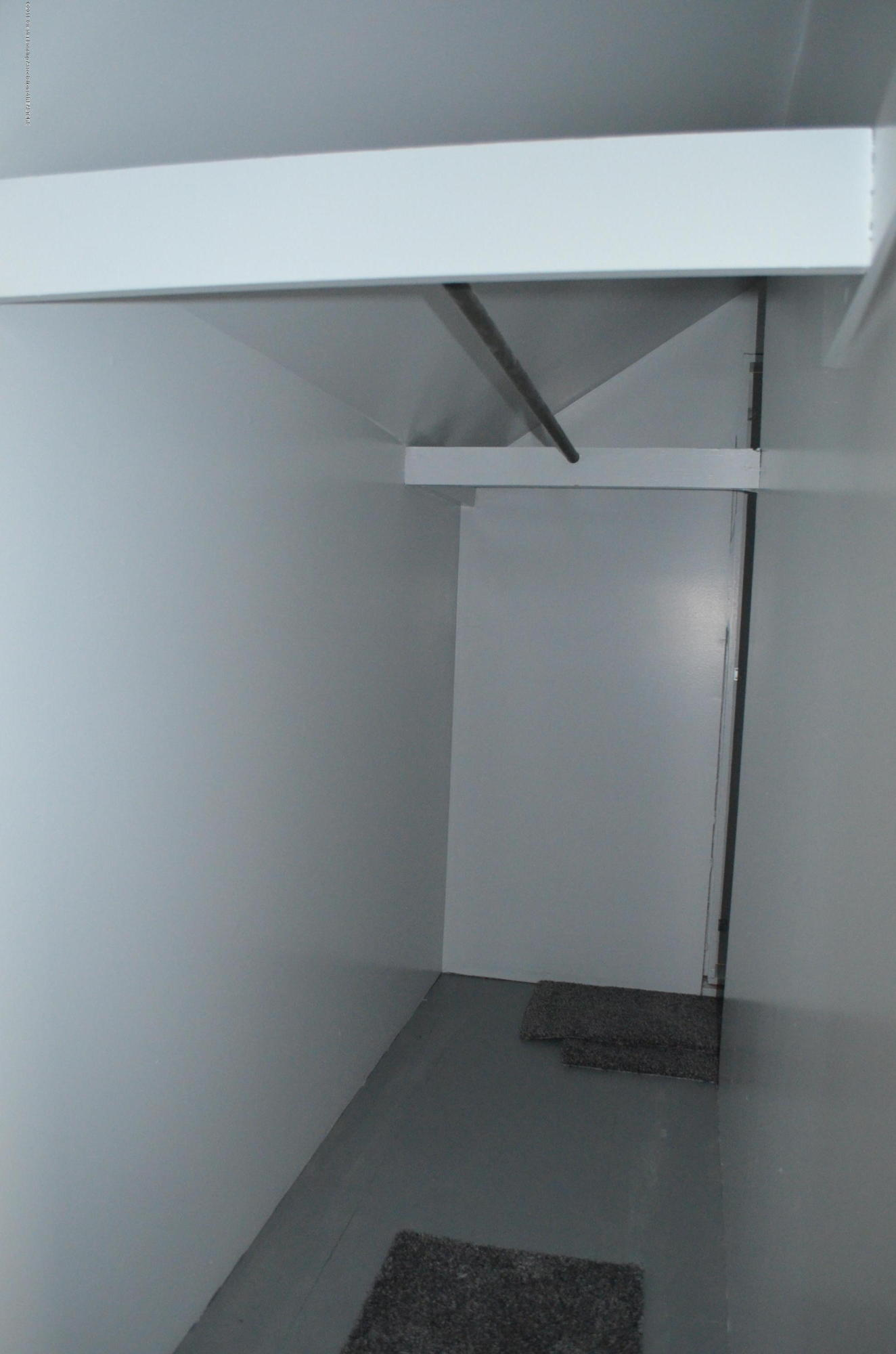 1323 Poxson Ave - 2nd floor walk in closet - 25