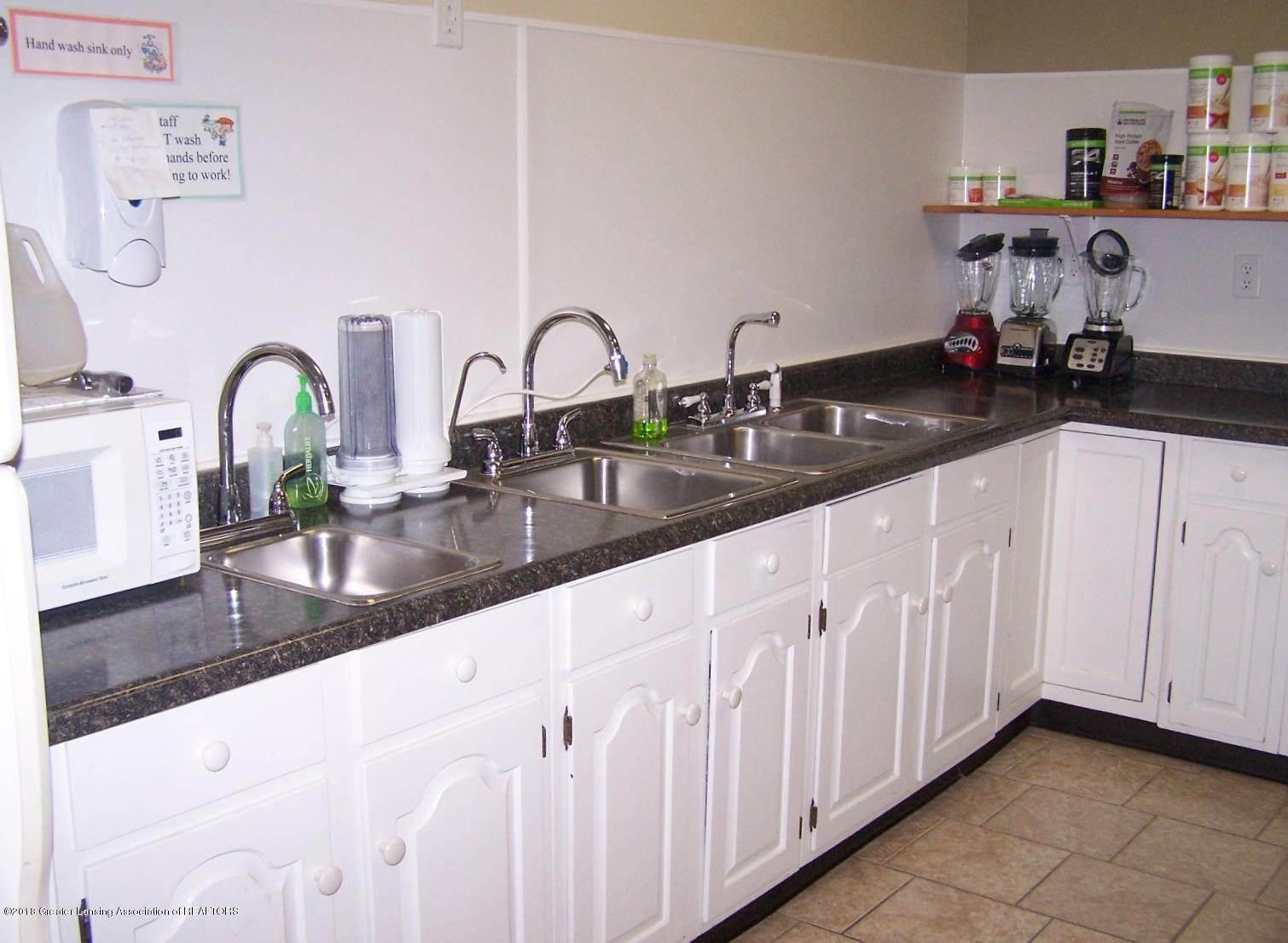 125 N Main St - Kitchen - 9