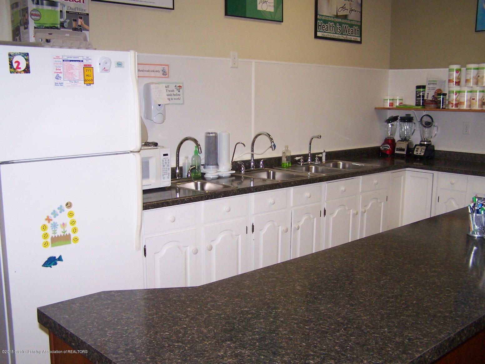 125 N Main St - Kitchen - 10