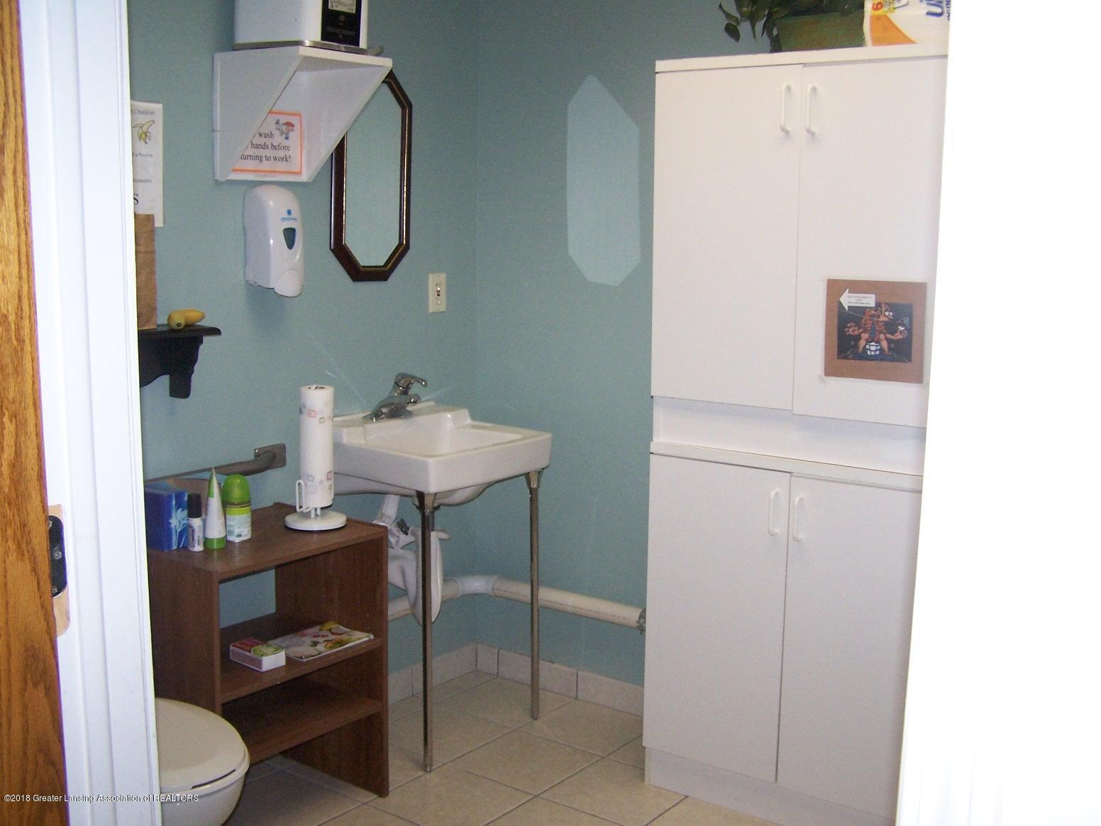 125 N Main St - Restroom - 21