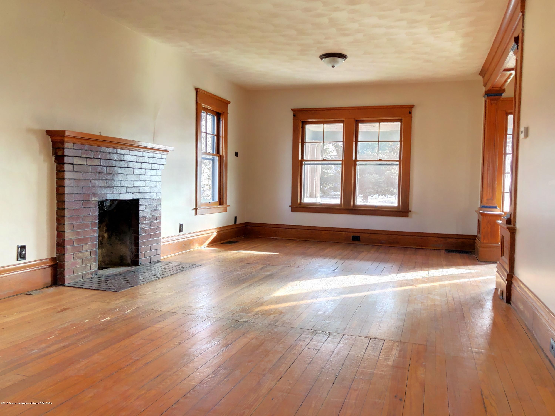 224 W North St - Living Room - 8