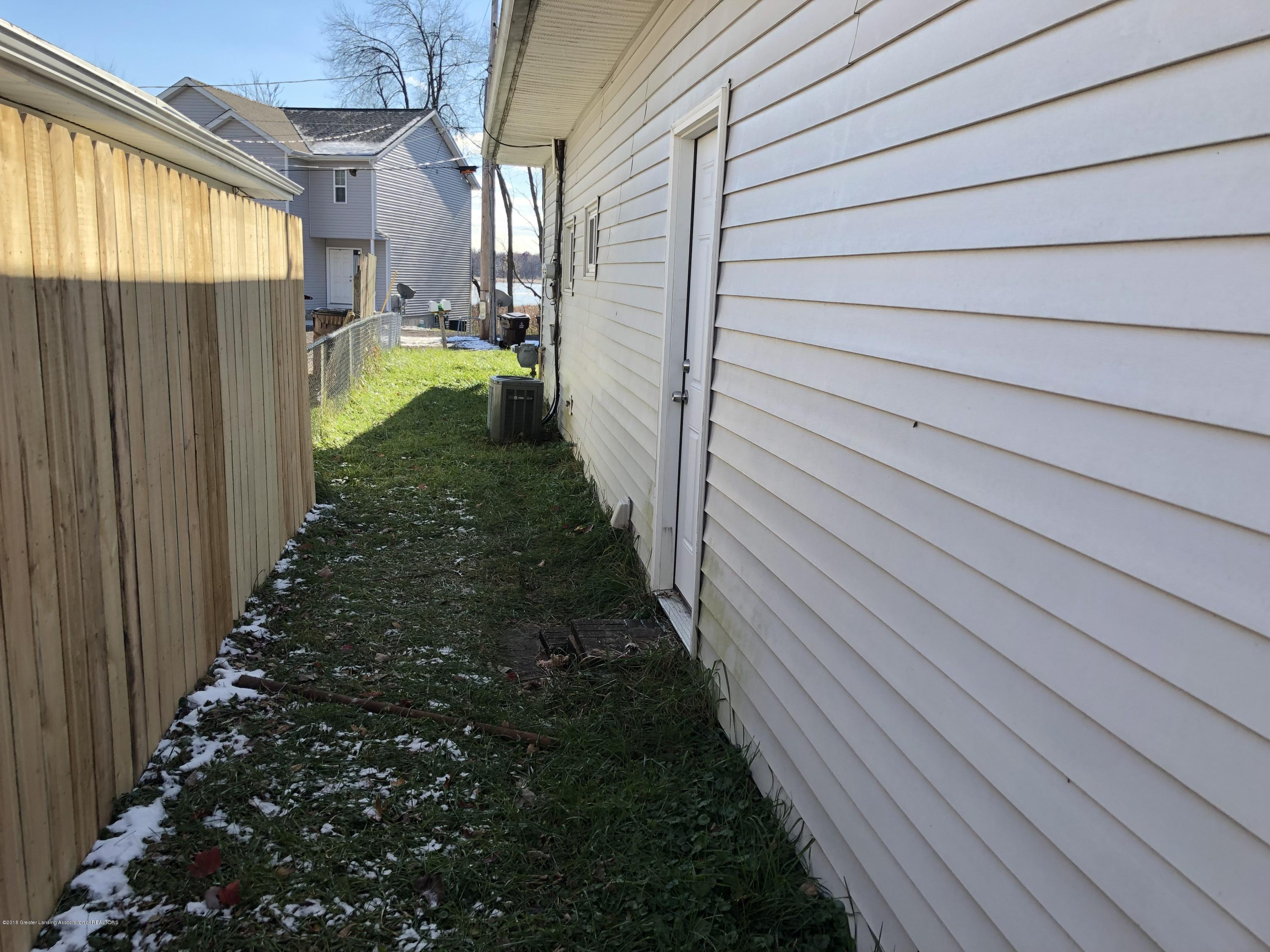 5813 Outer Dr - IMG_0310 - 22