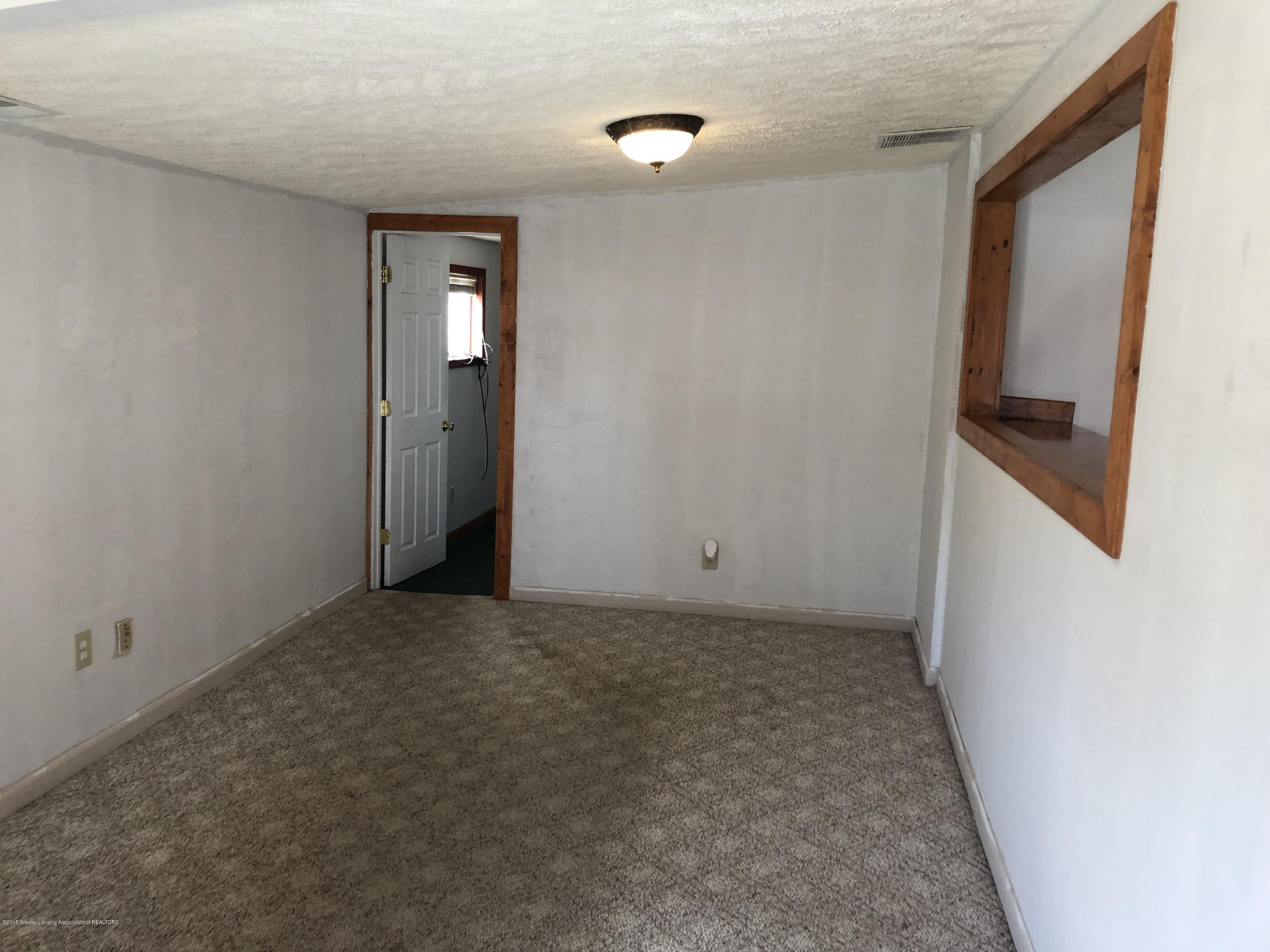 5813 Outer Dr - IMG_0322 - 13