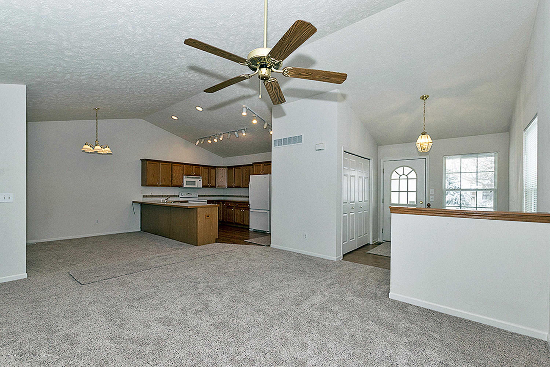 2065 Wyndham Hills Dr - 2065 Wyndham Main Floor layout - 4