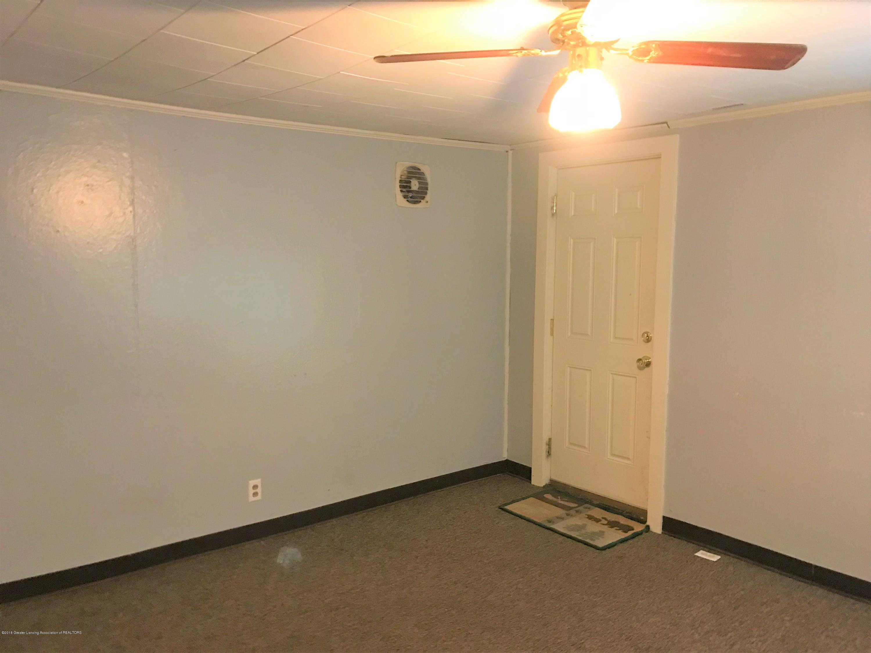 333 S Lincoln St - 2 Living RM 1 - 2