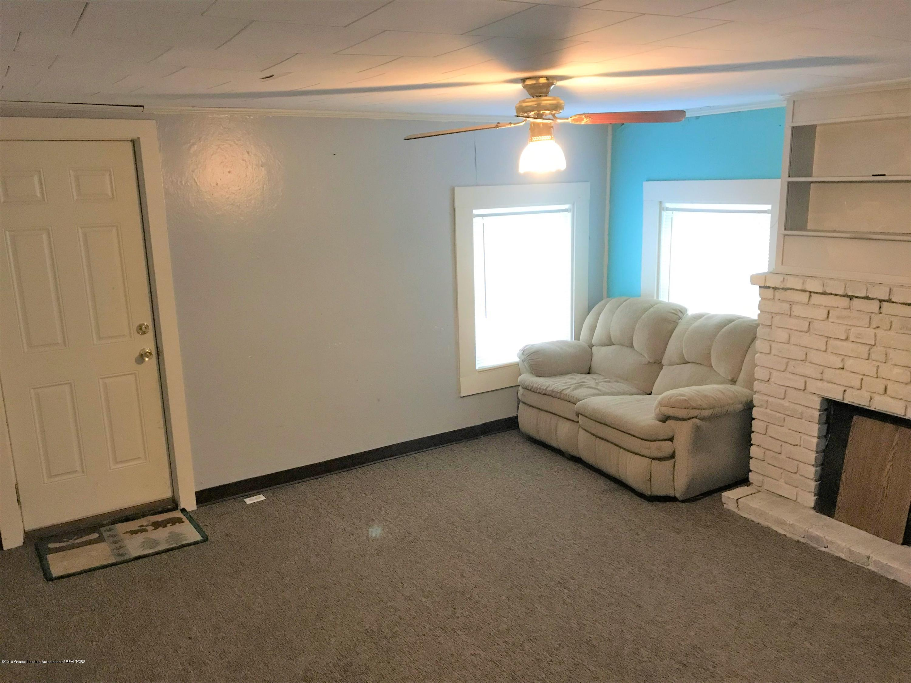 333 S Lincoln St - 3 Living RM 2 - 3