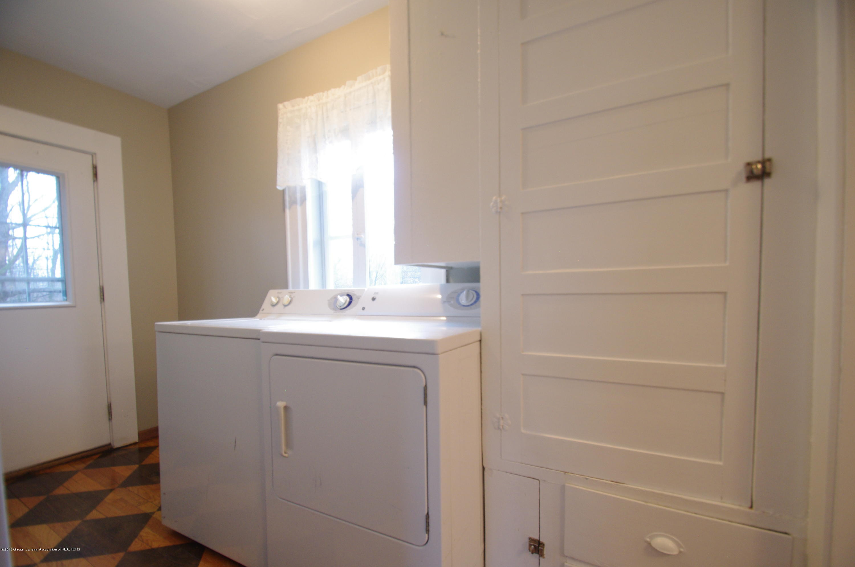 4604 Old Lansing Rd - Laundry Room - 14