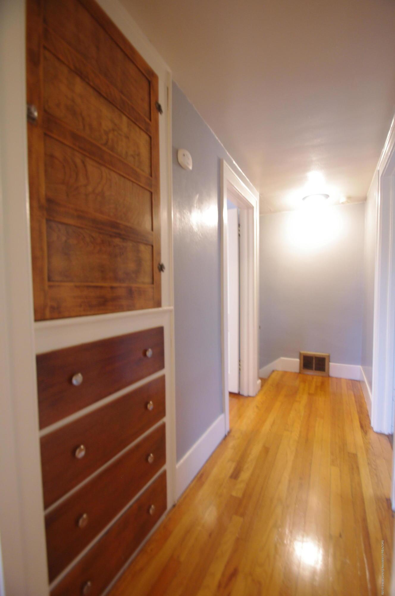 4604 Old Lansing Rd - Hall - 25