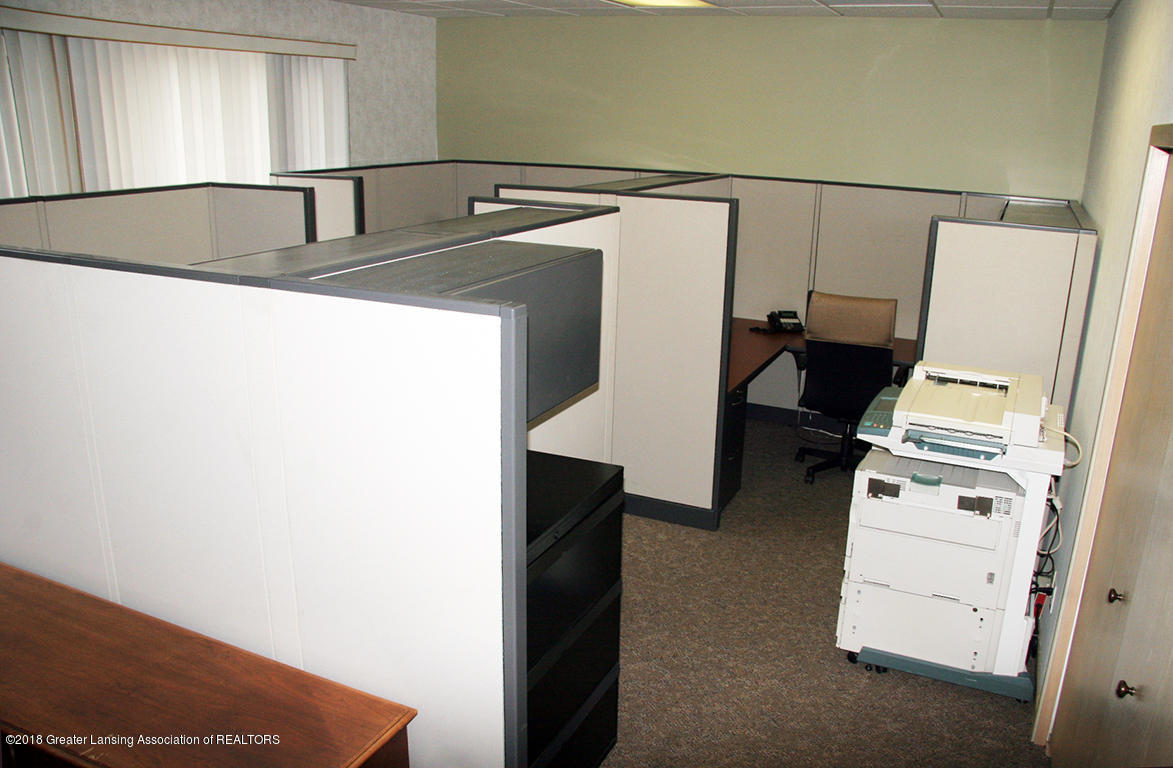 2152 Commons Pkwy - Cubicle Overview - 5