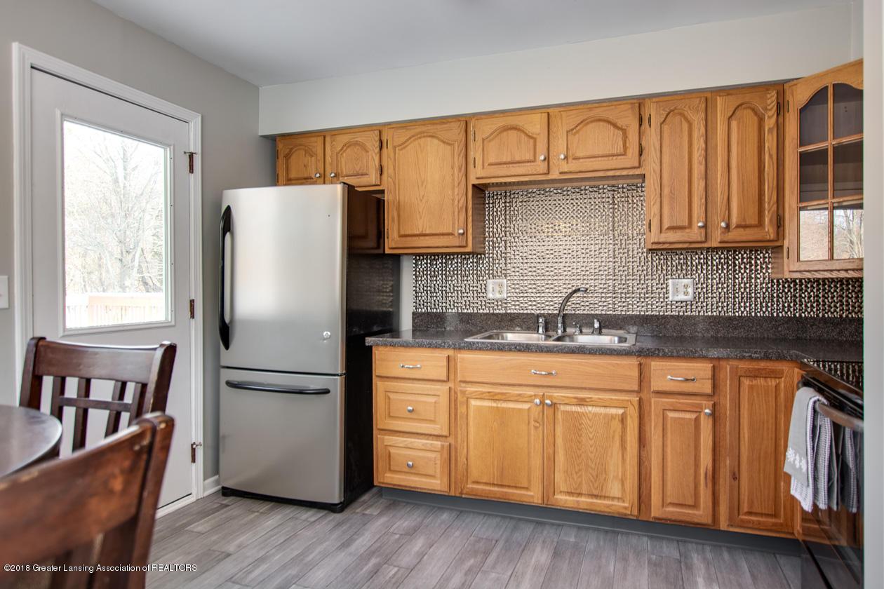 1677 Barry Rd - Kitchen - 7