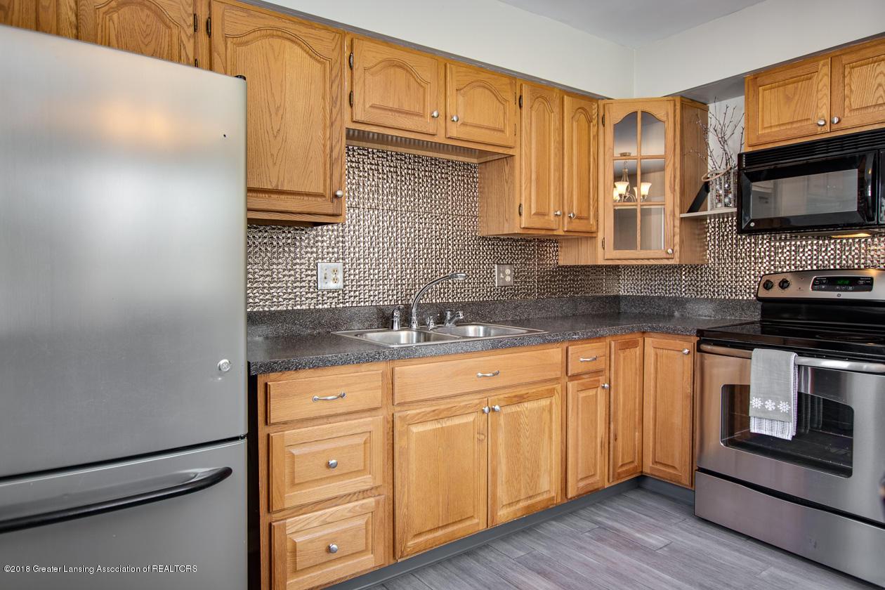 1677 Barry Rd - Kitchen - 9