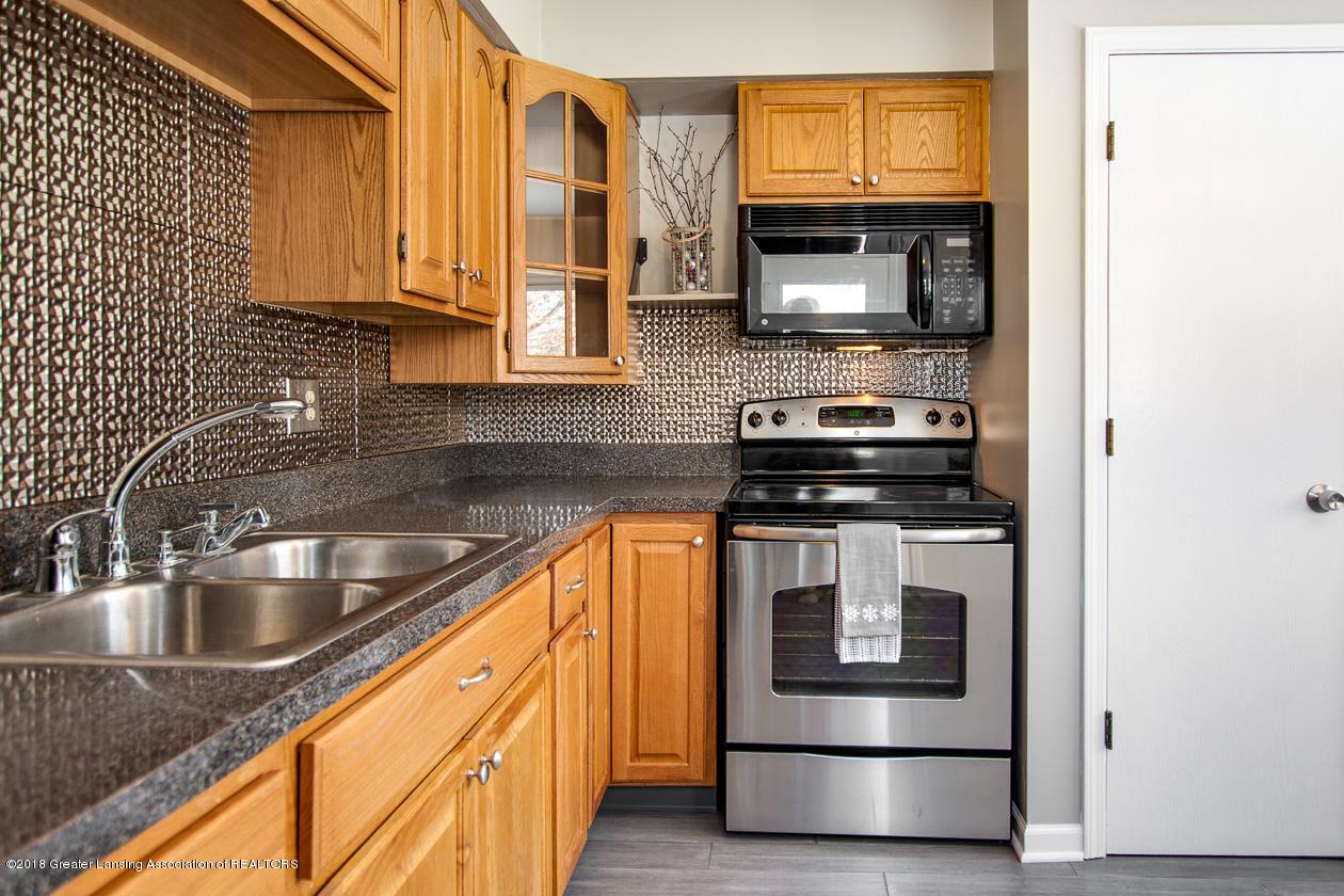 1677 Barry Rd - Kitchen - 6