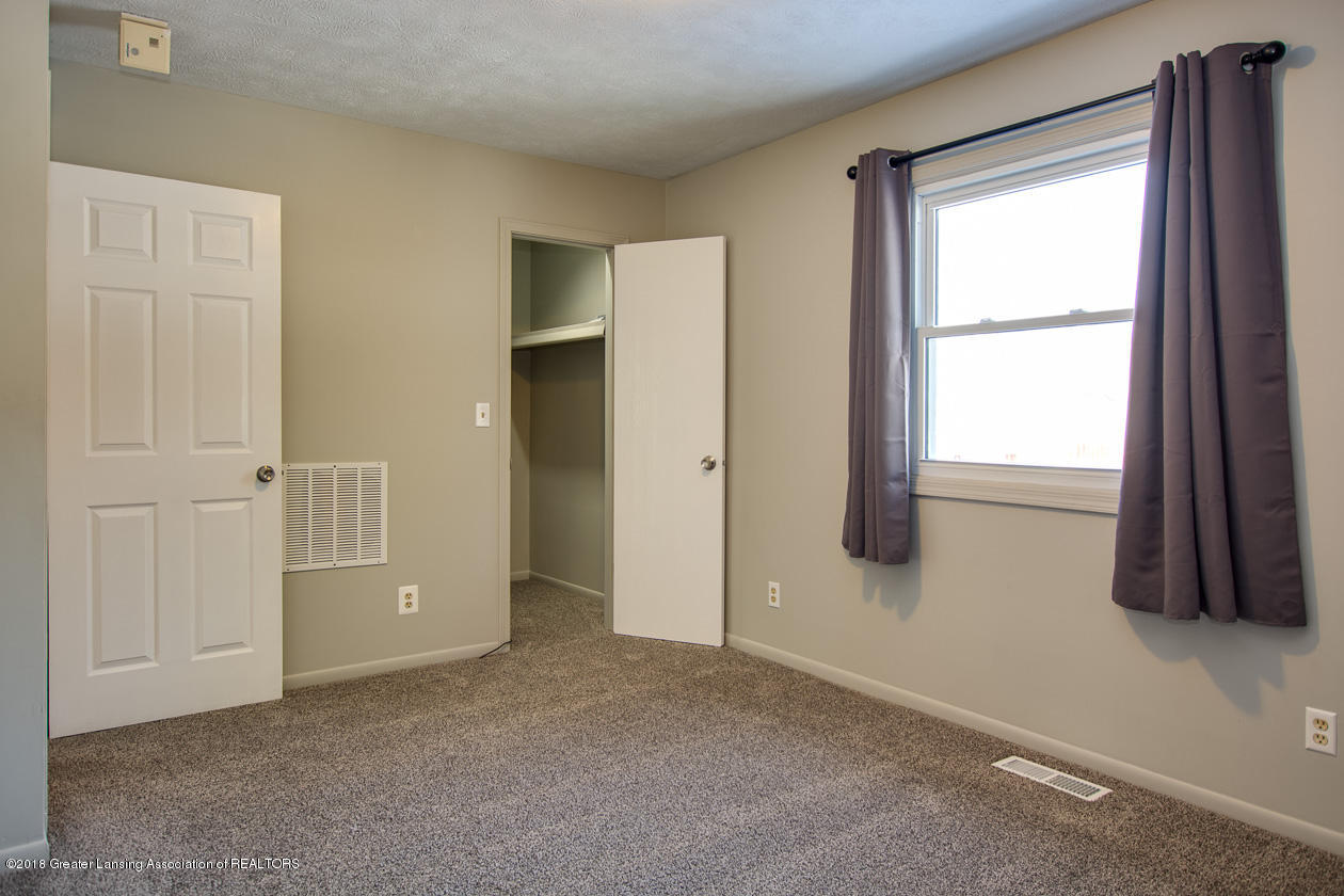 1677 Barry Rd - Master bedroom - 11