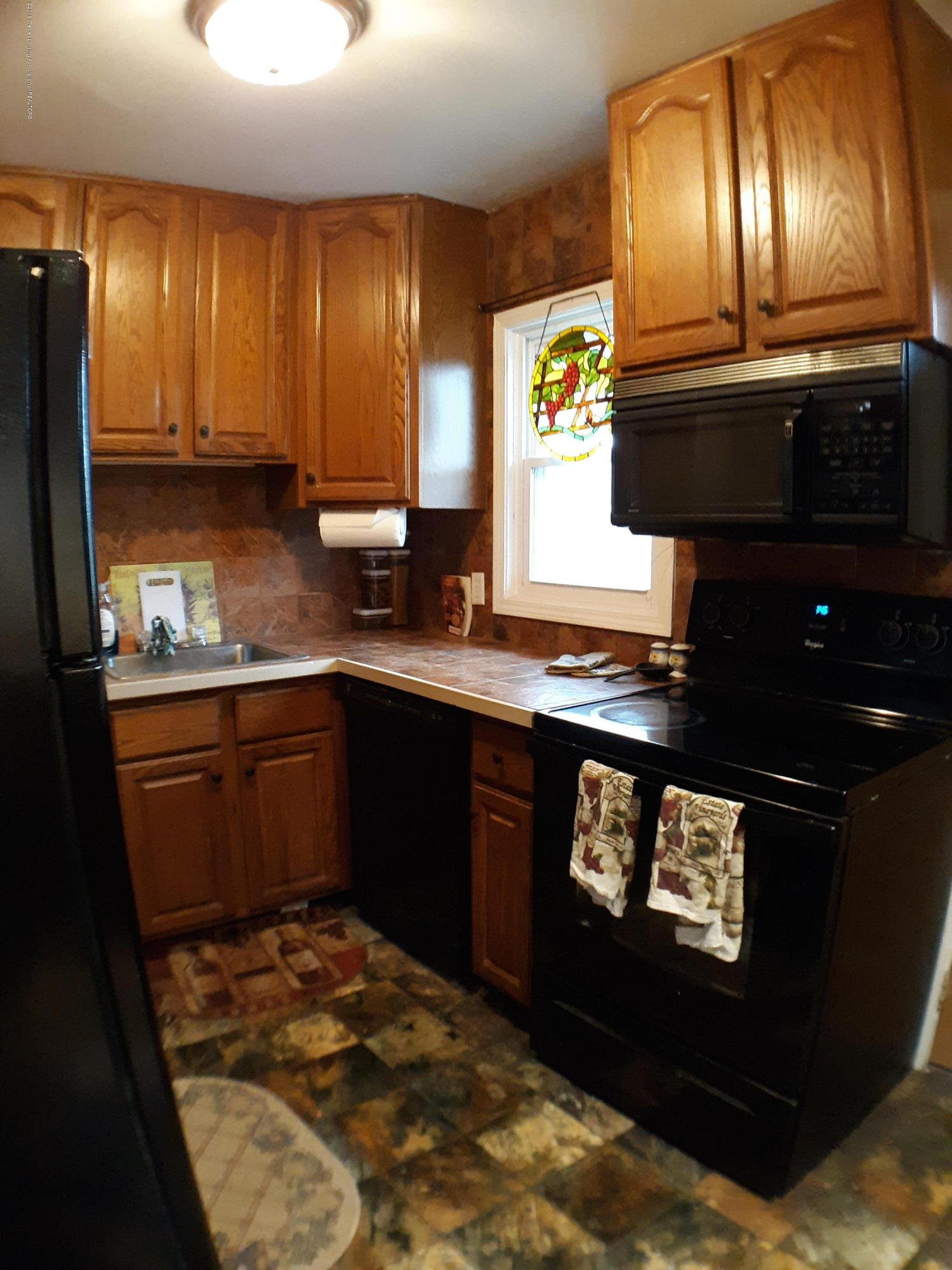 1718 Victor Ave - 1718 kitchen - 5