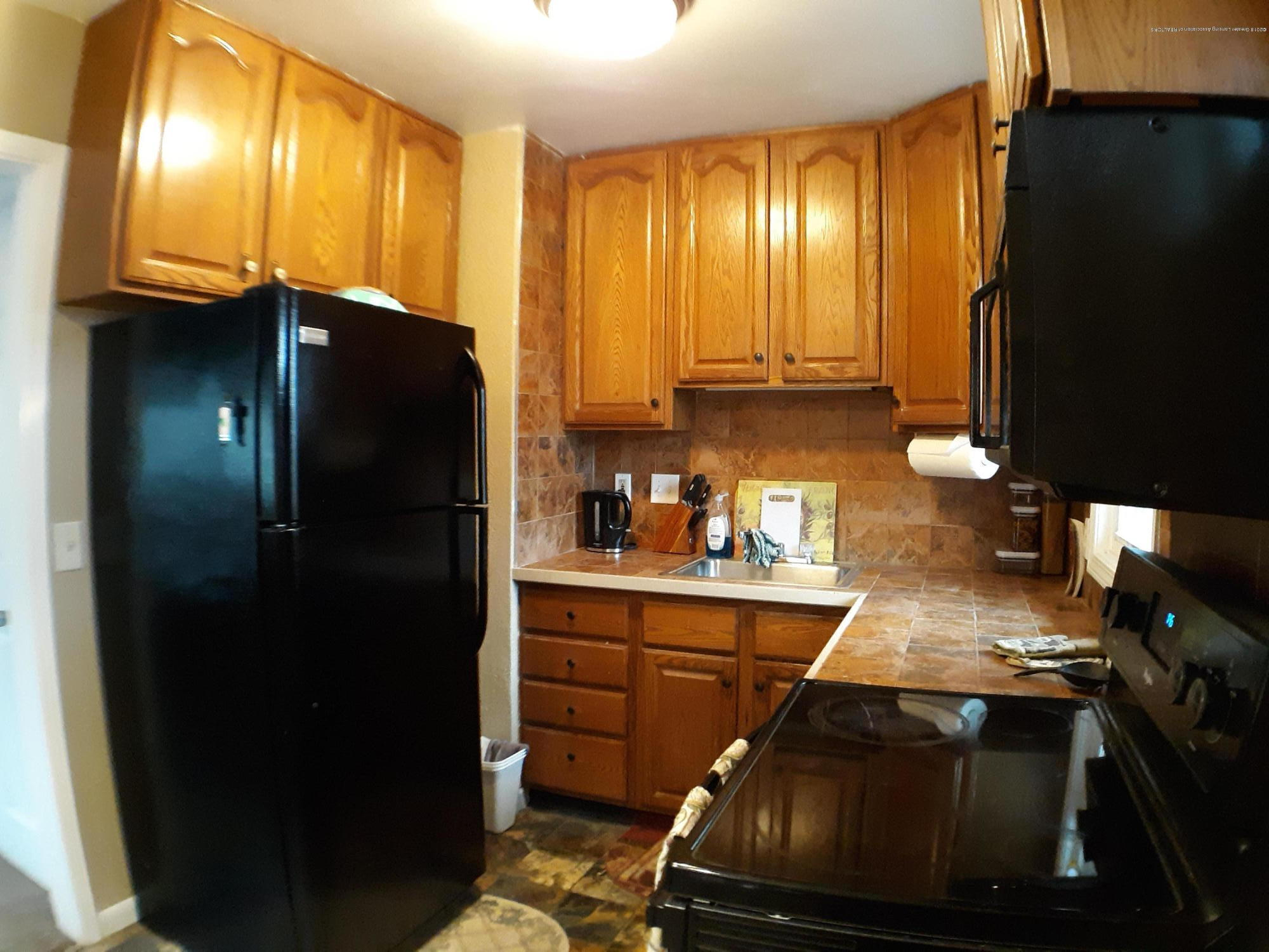 1718 Victor Ave - 1718 kitchen 2 - 3