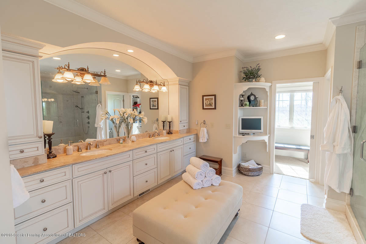 13600 Forest Hill Rd - 13600 FOREST HILL MASTER BATH 2 - 6