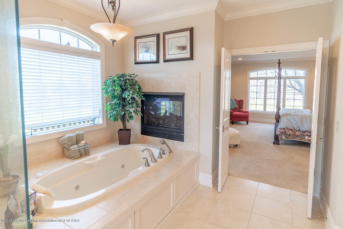 13600 Forest Hill Rd - 13600 FOREST HILL MASTER BATH 4 - 17