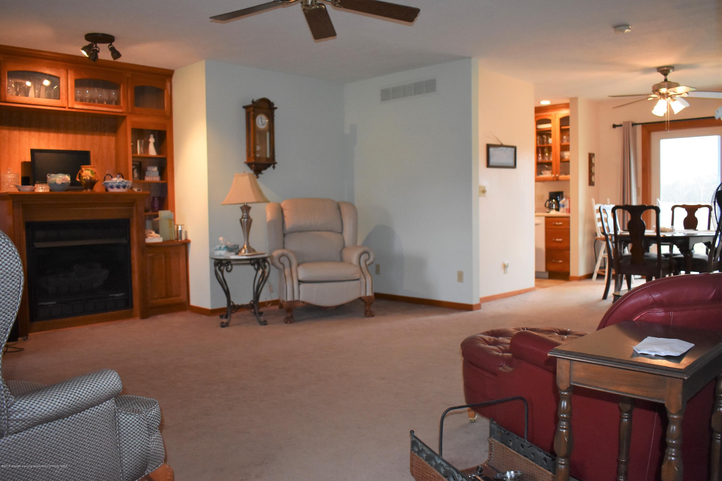 341 S Eifert Rd - Living Room 6 - 6