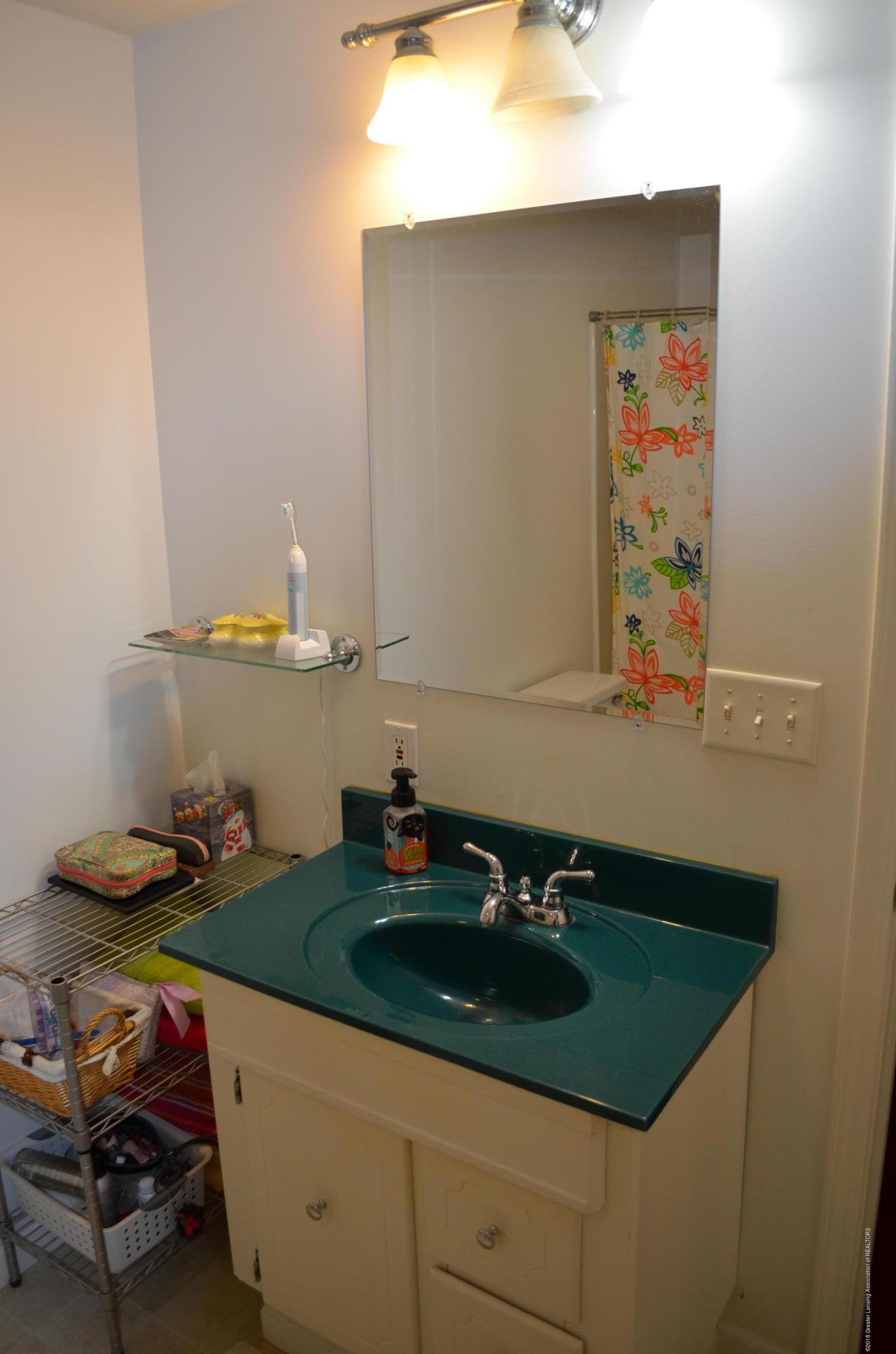620 Irvington Ave - Full Bath - 7