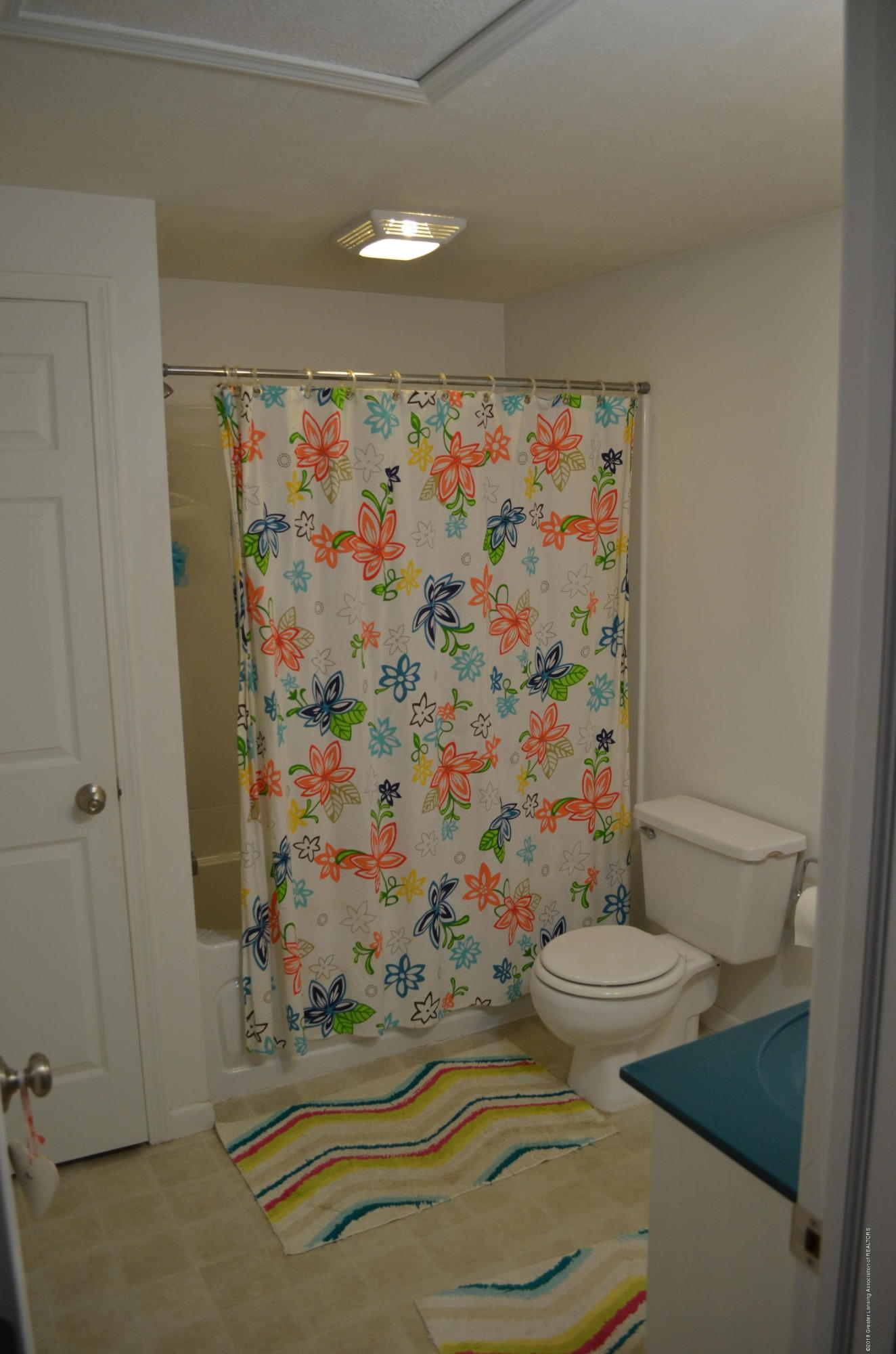 620 Irvington Ave - Full Bath - 6