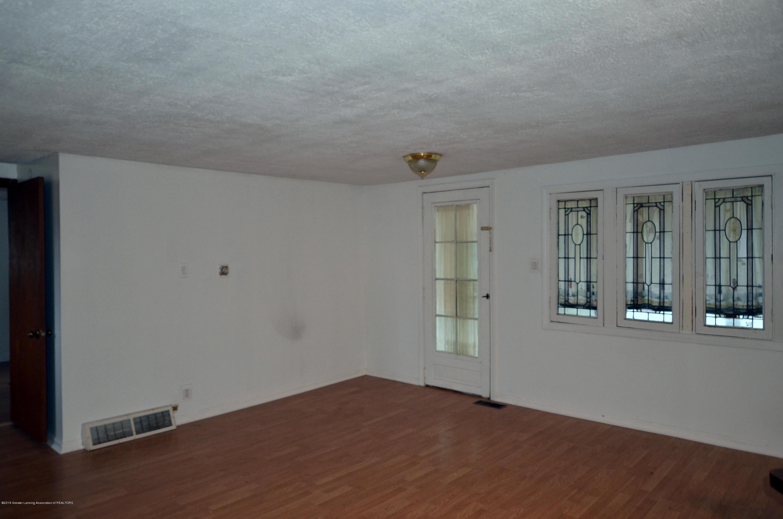 15871 Short St - 15871 Short St living room - 3