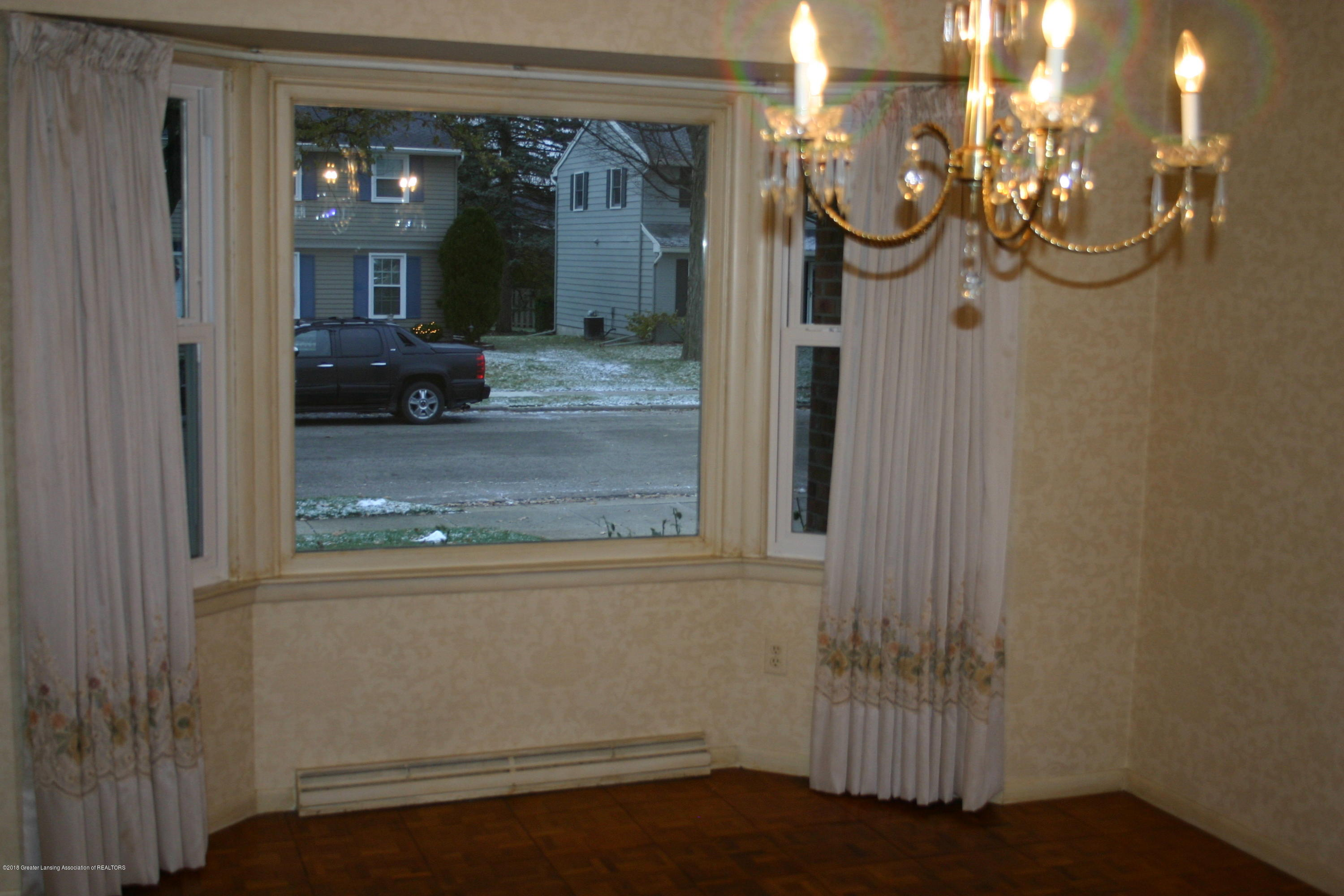 1927 Vassar Dr - Dining Room window - 10