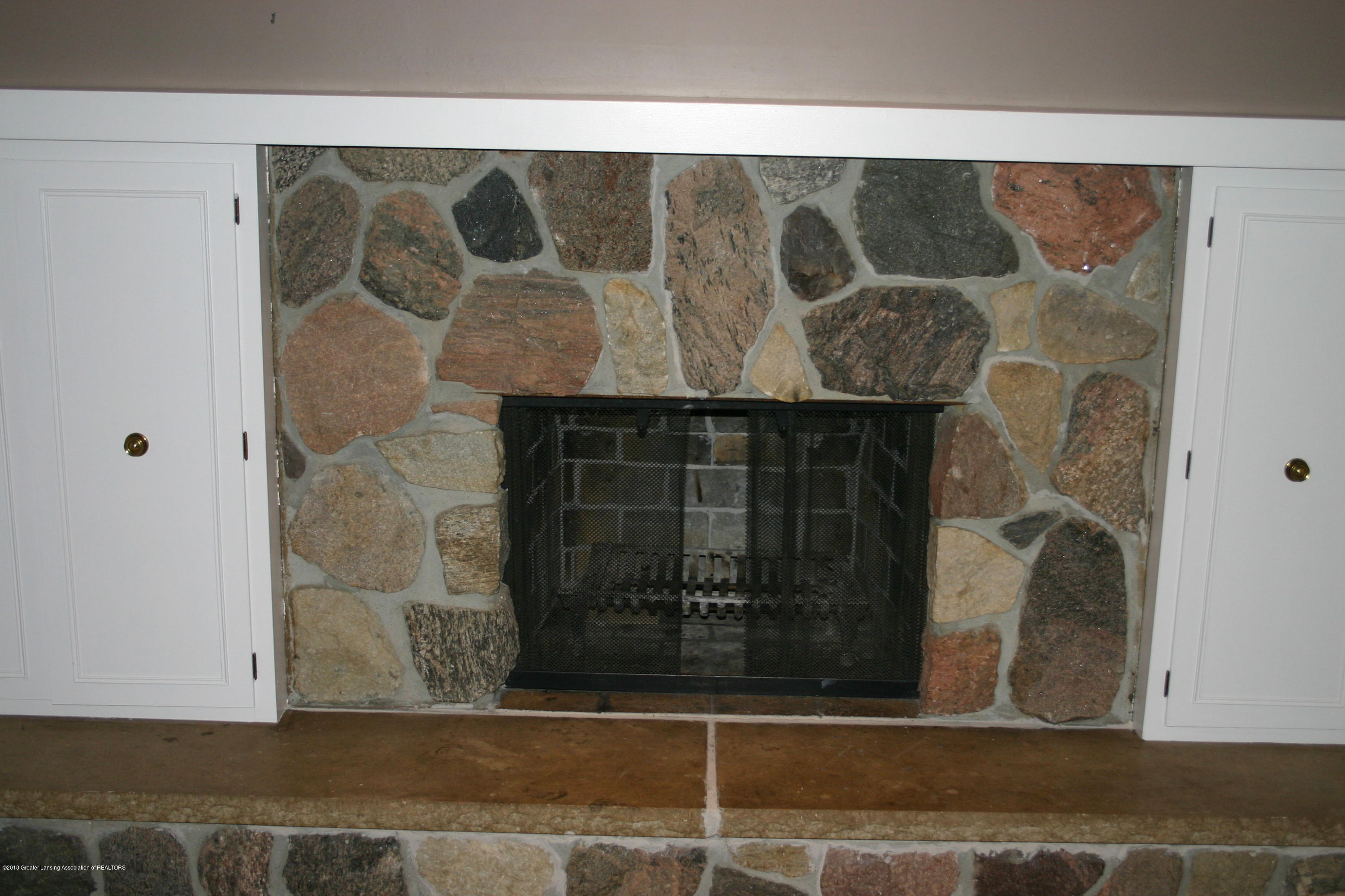 1927 Vassar Dr - Family room fireplace - 13