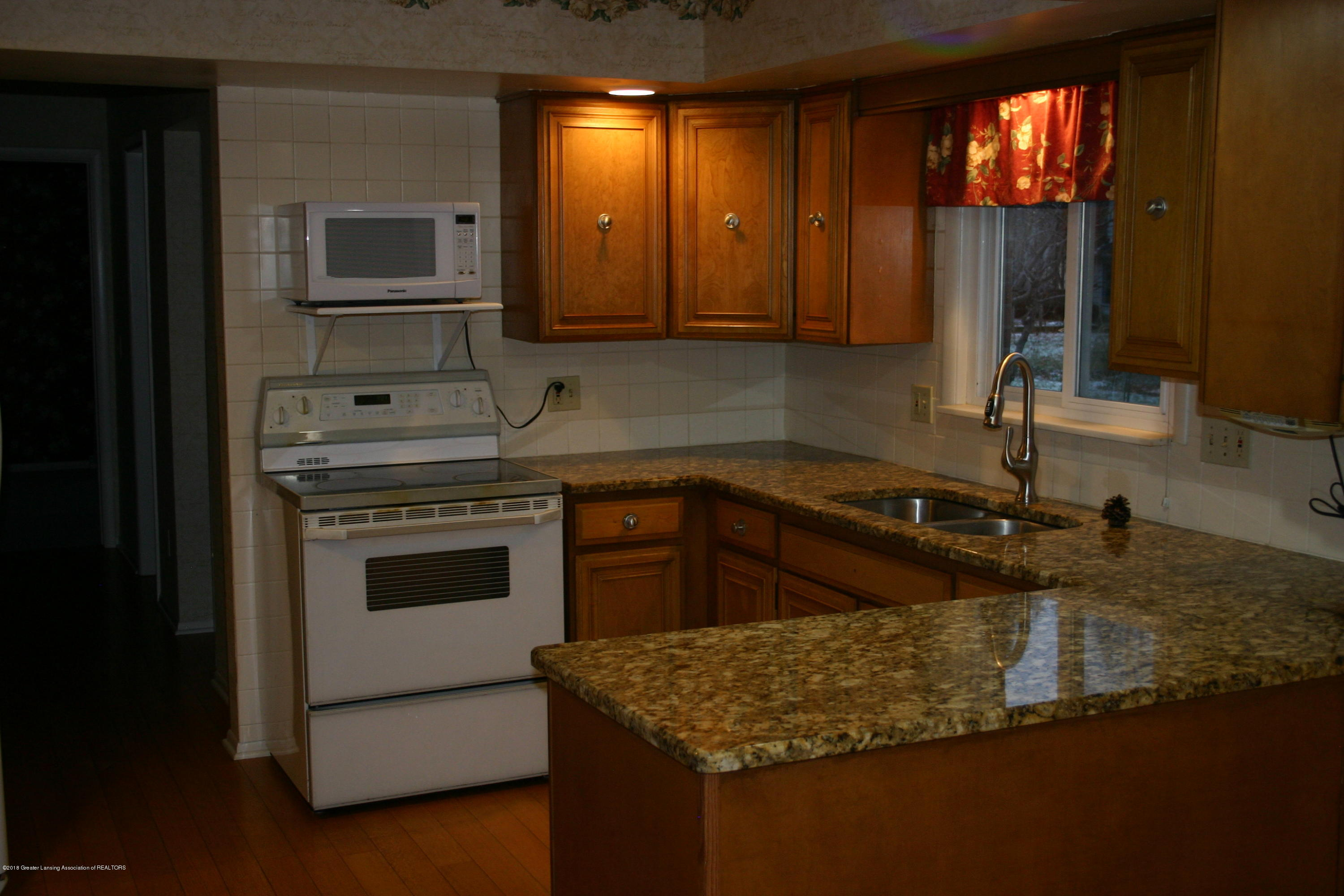 1927 Vassar Dr - Kitchen - 20
