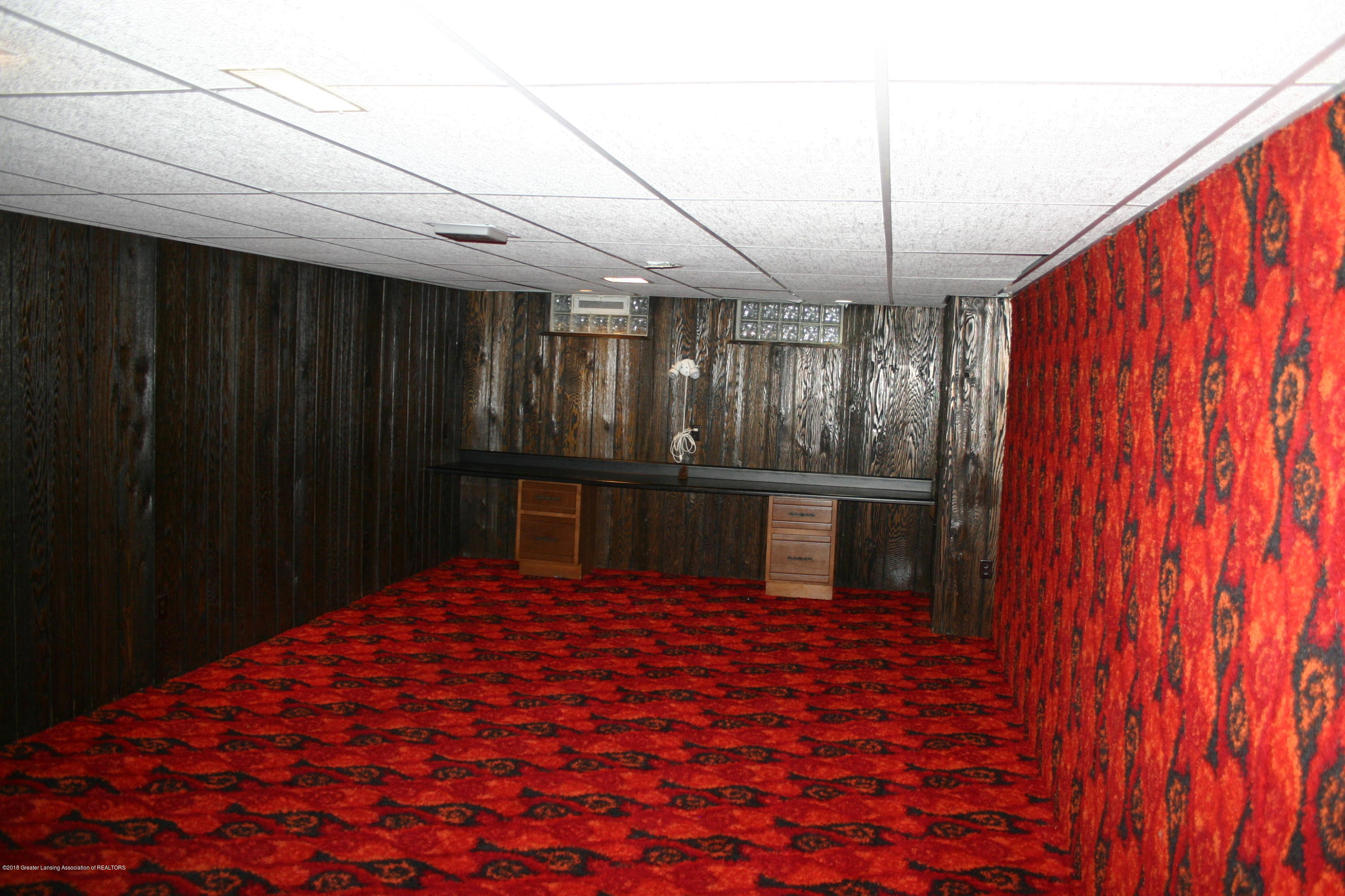 1927 Vassar Dr - Game Room - 33