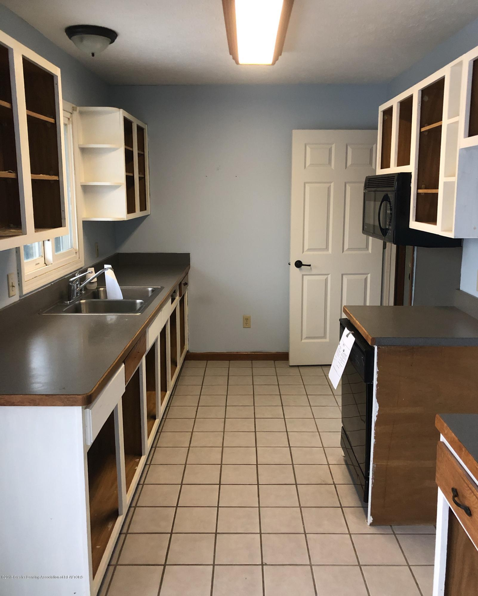 3150 Maurer Rd - Kitchen - 2