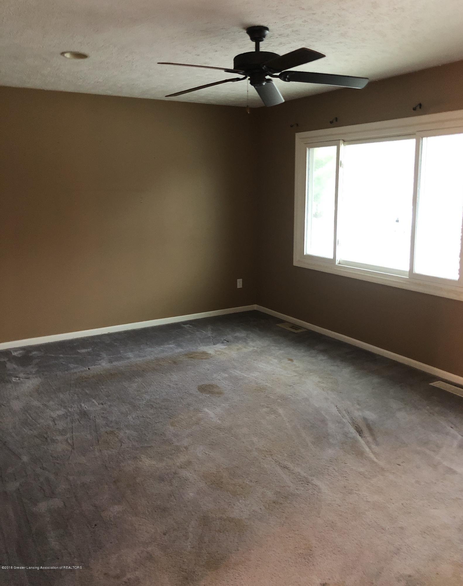 3150 Maurer Rd - Living Room - 4