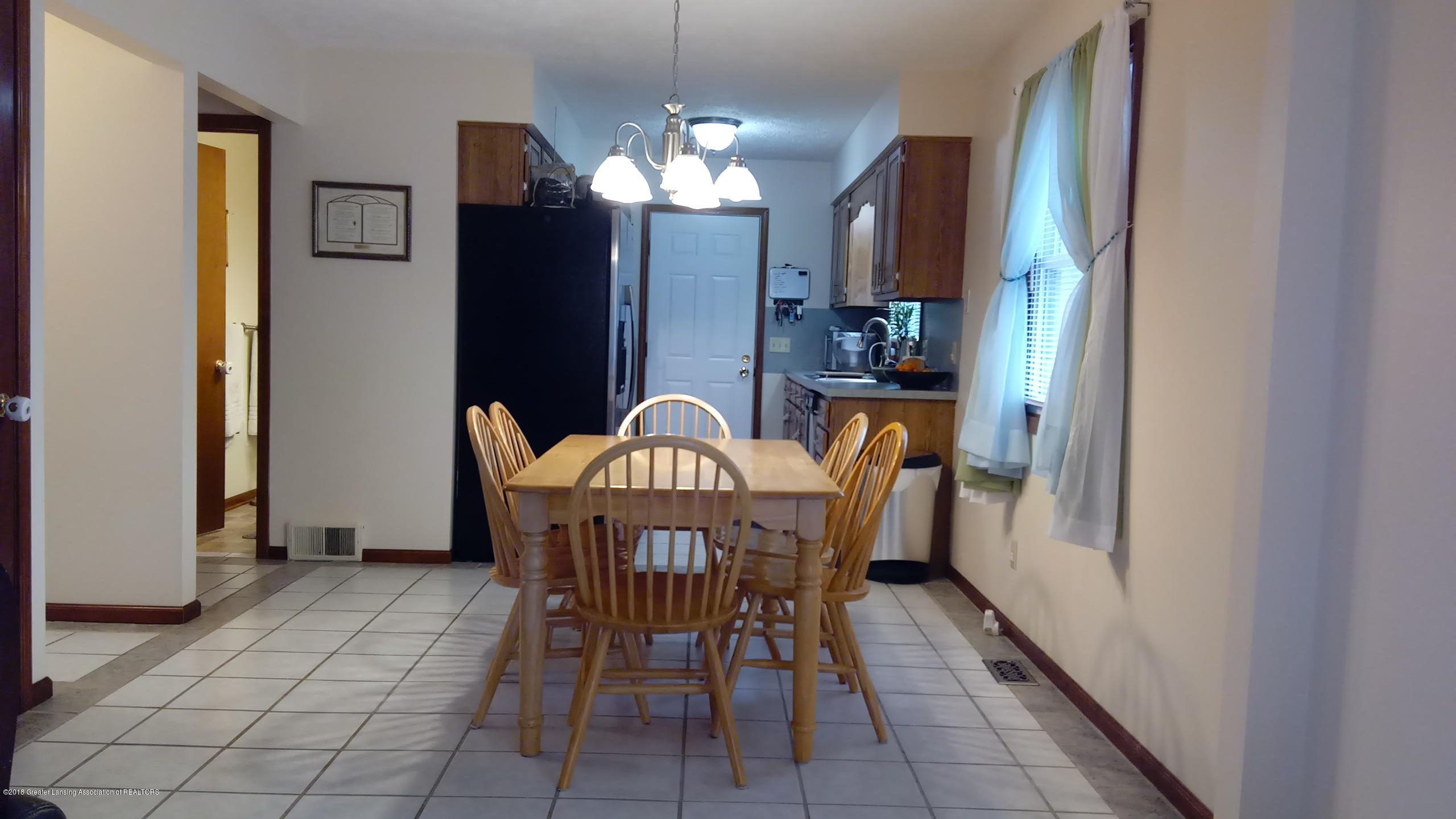 1221 Longspur Dr - Dining Area - 12
