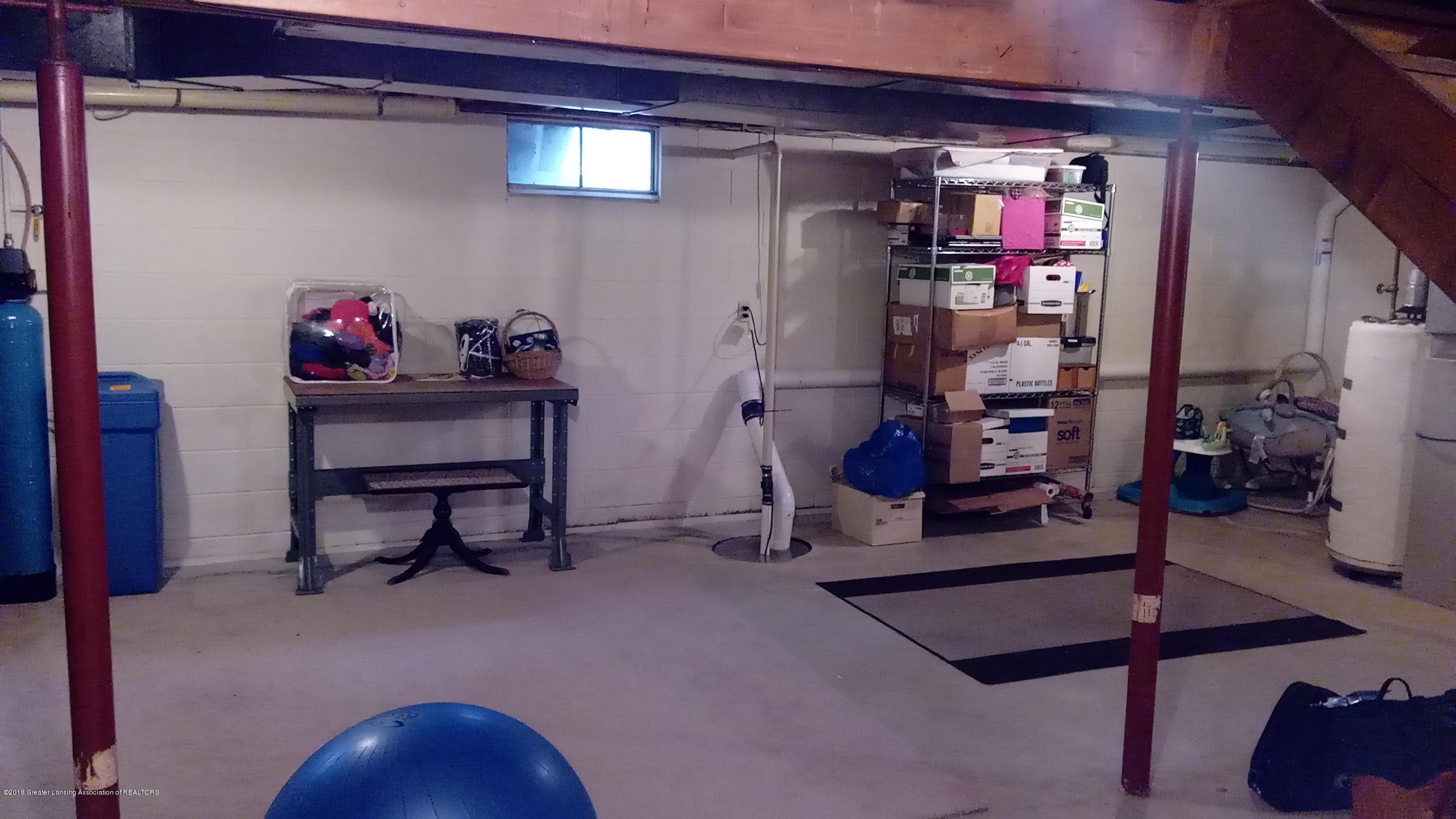 1221 Longspur Dr - Nice Clean Basement - 28