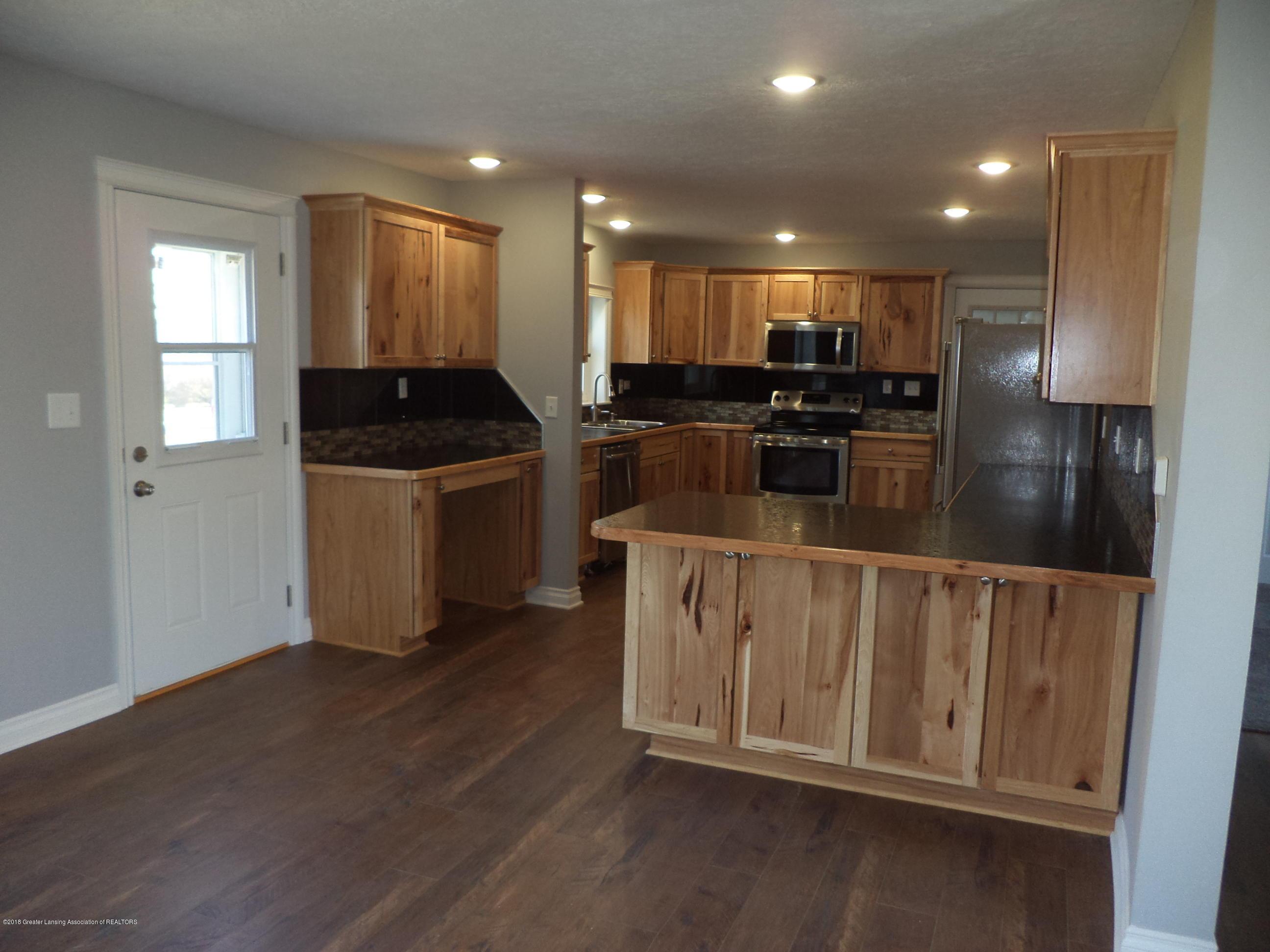 3200 S Dewitt Rd - Kitchen view - 5