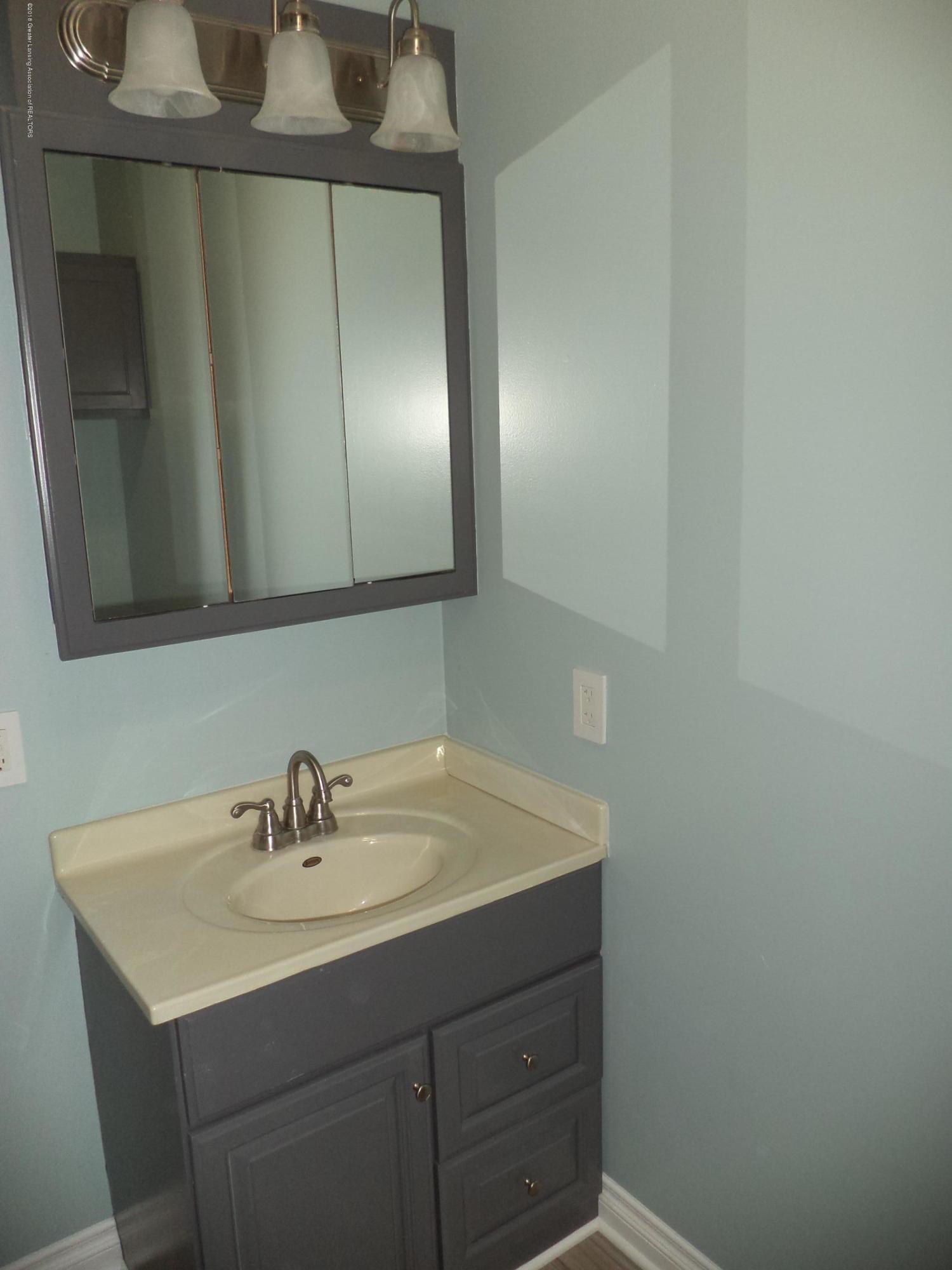 3200 S Dewitt Rd - Bathroom 2 - 15