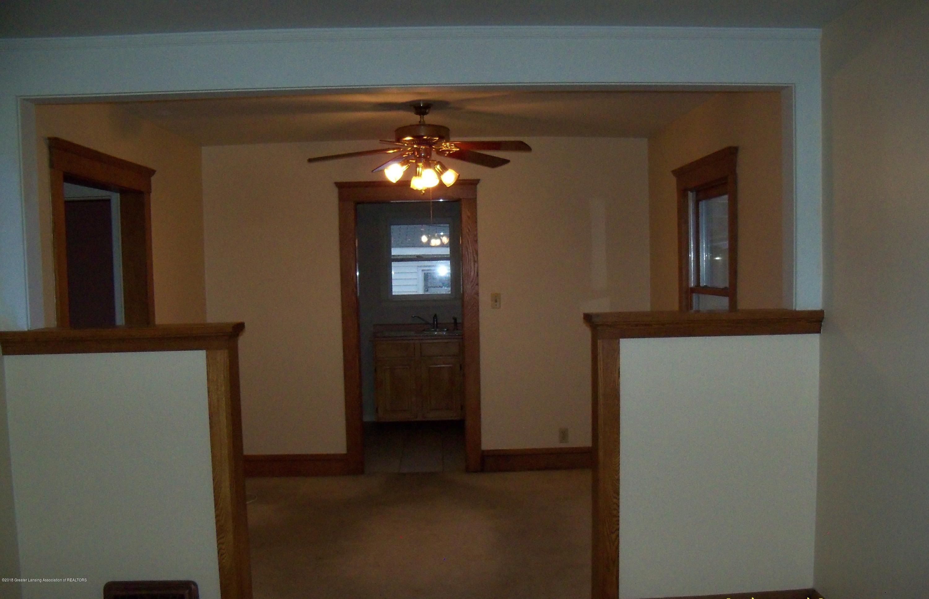 1221 Loeser Ave - DINING ROOM - 5