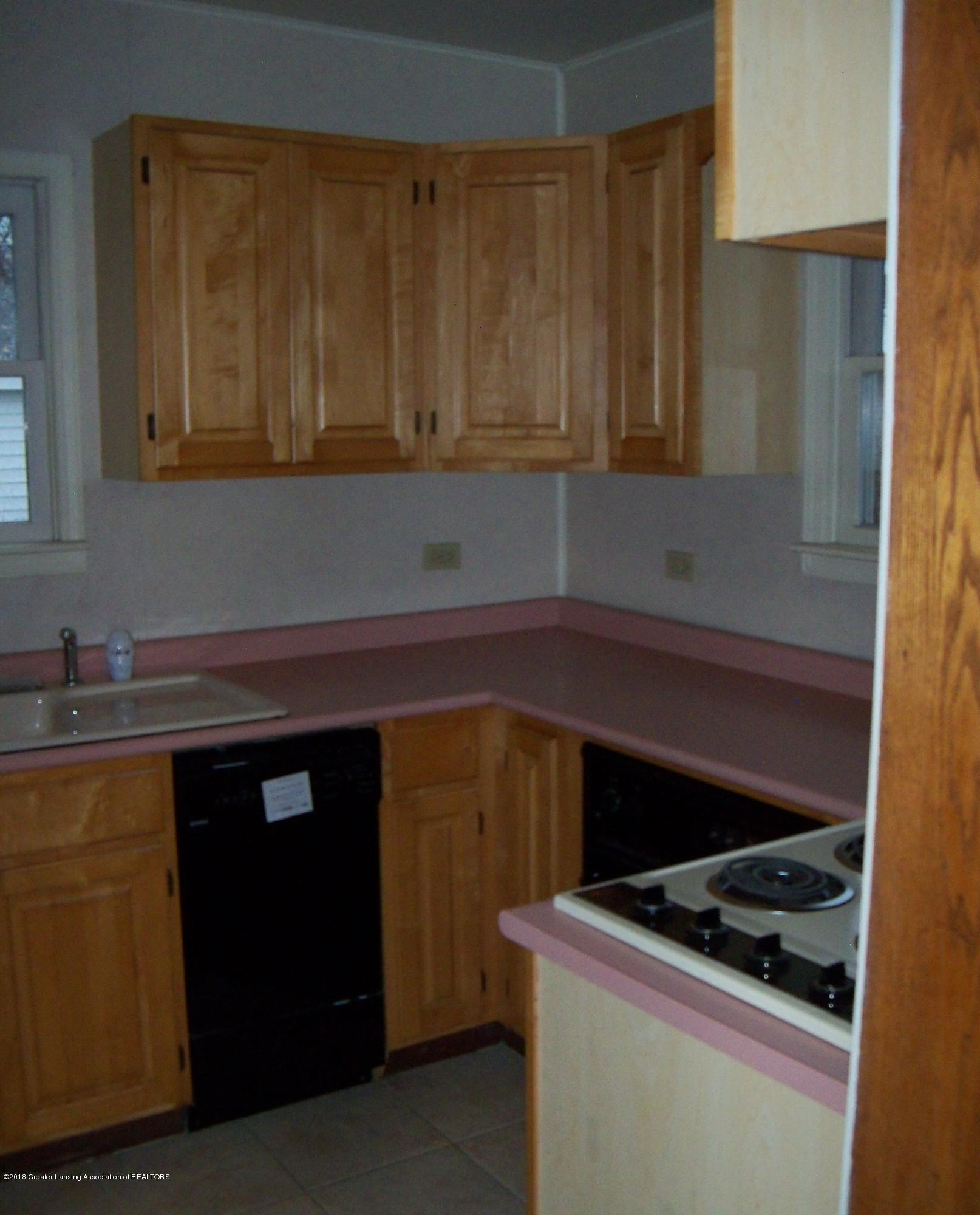 1221 Loeser Ave - KITCHEN - 3