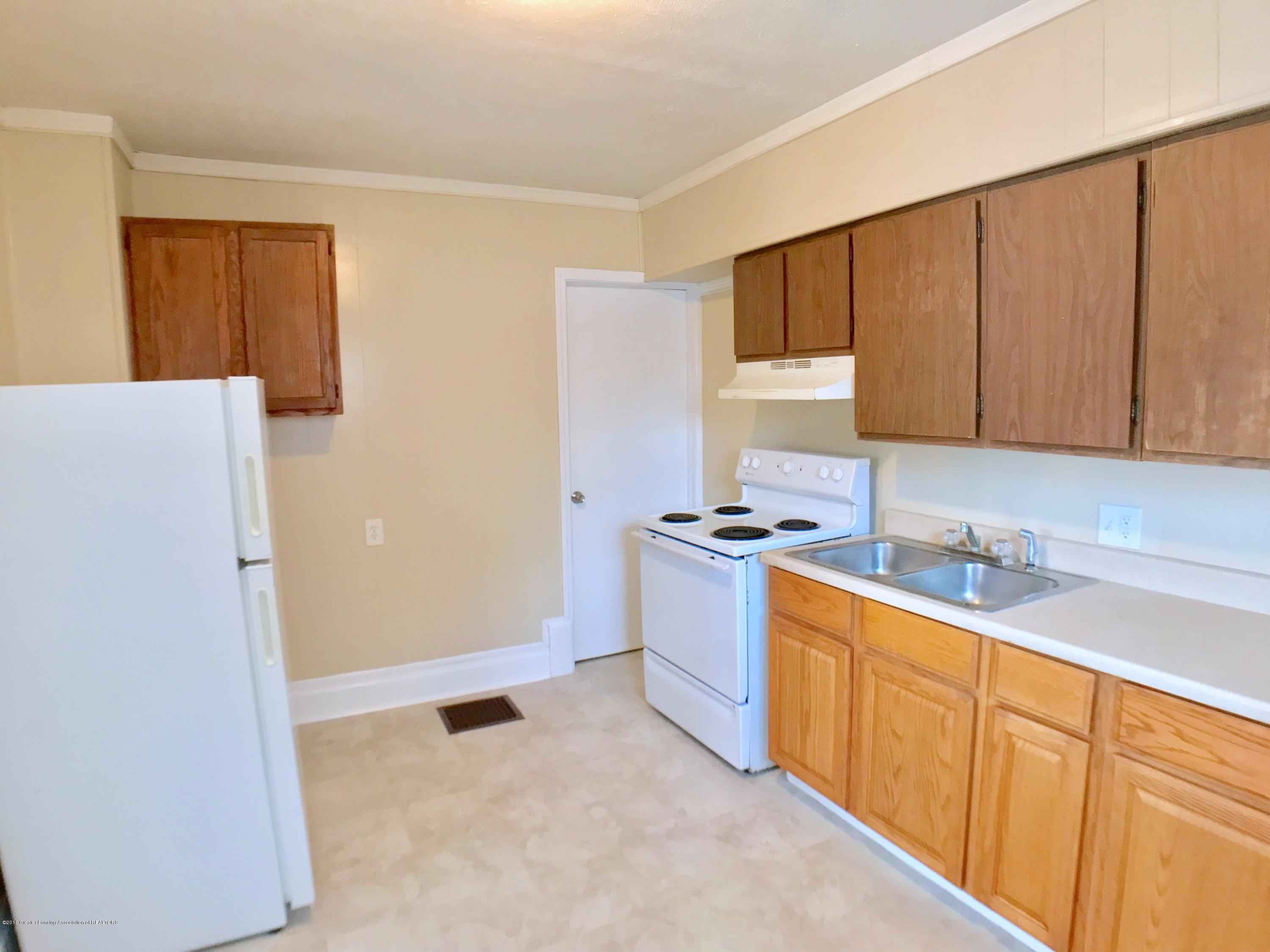 714 N Pine St - Kitchen - 9