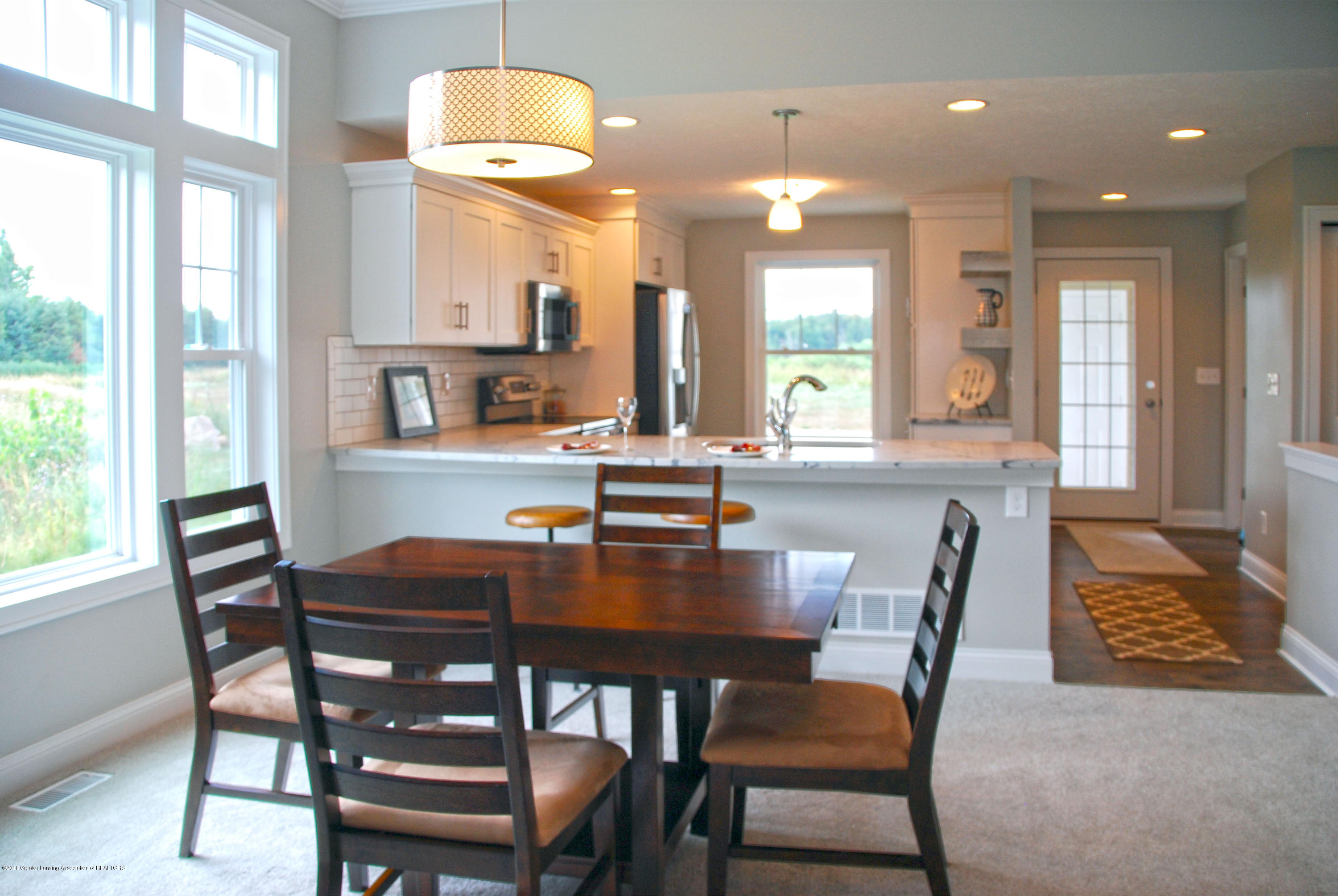 5270 Hawk Hollow Dr E - dining example - 5