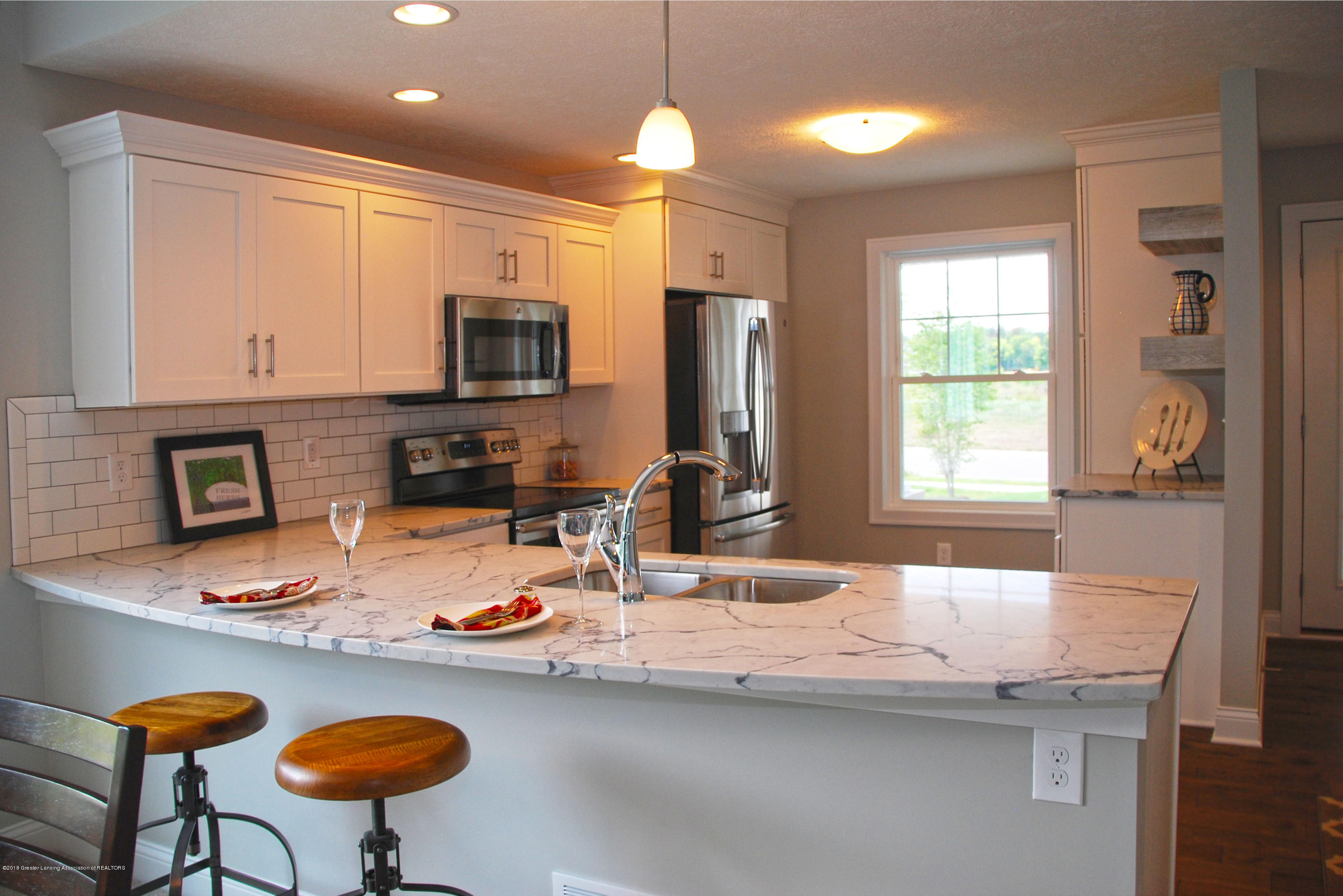 5272 Hawk Hollow Dr E - kitchen example - 2