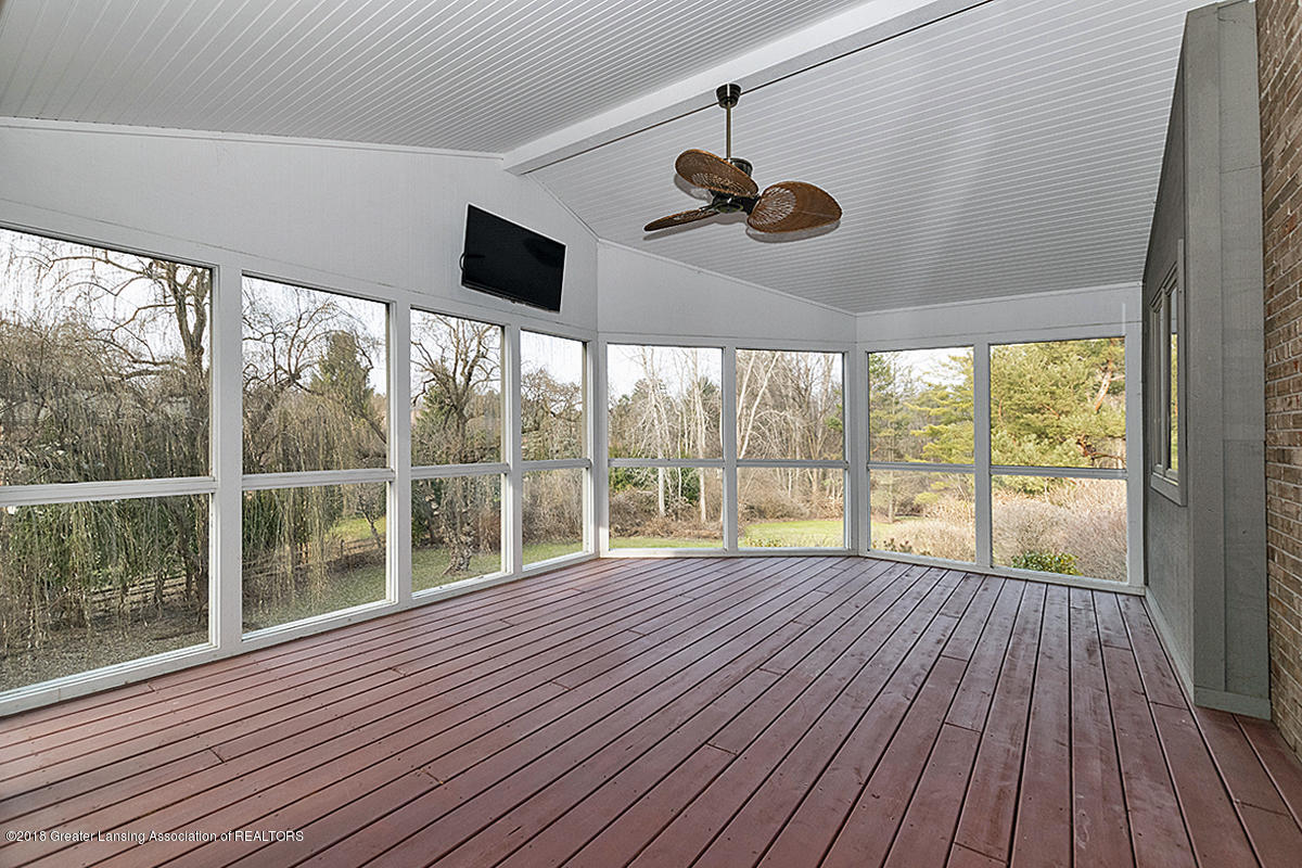 3801 Chippendale Dr - SCREENED PORCH - 18