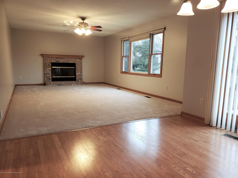 2438 Barnsbury Rd - Family Room - 15